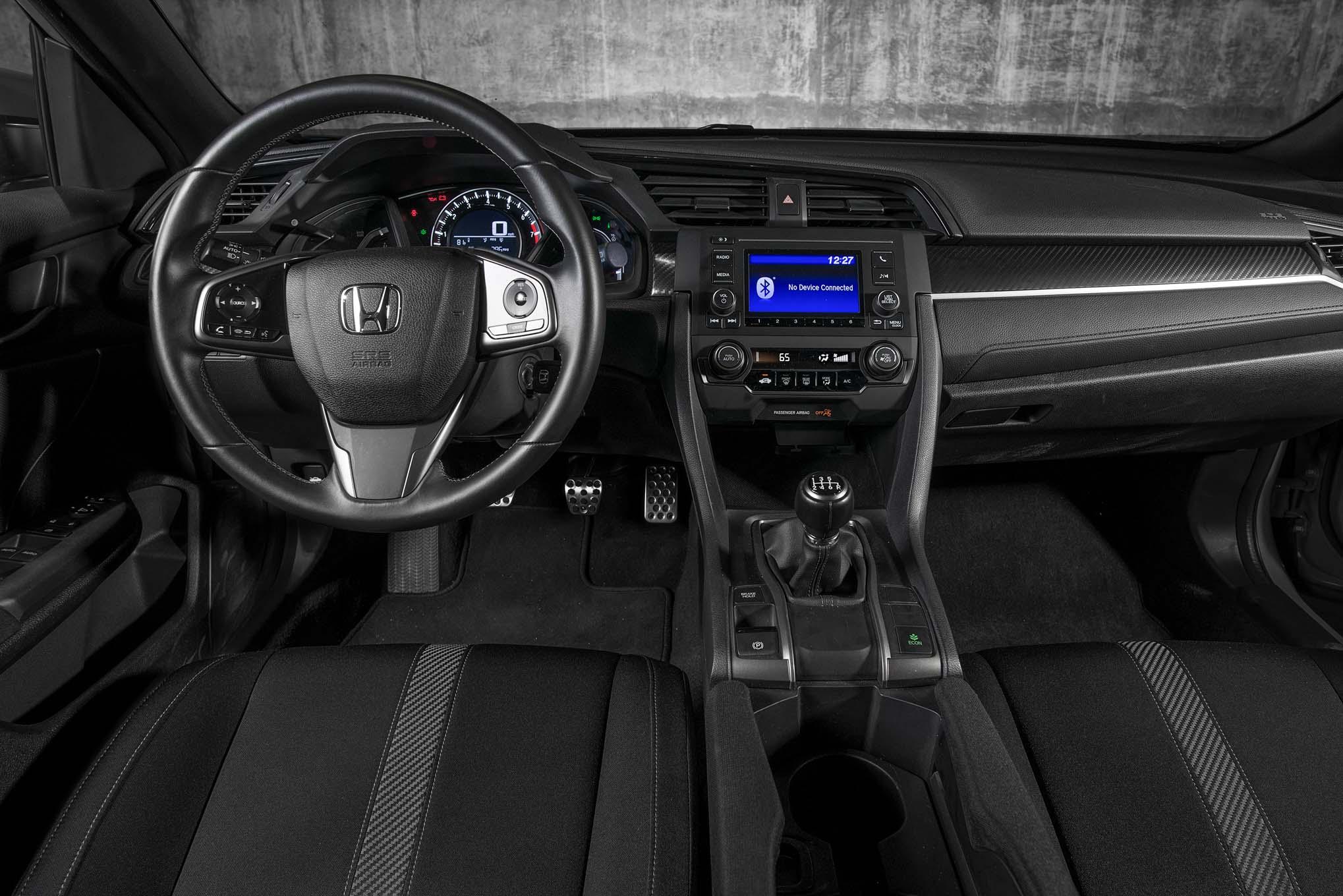 Honda civic hatchback sport 2017 primera prueba motor for Interior honda civic 2018