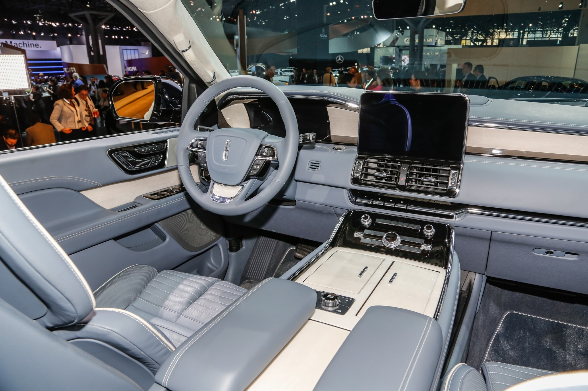 lincoln navigator 2018 desde 73 250 d lares motor trend en espa ol. Black Bedroom Furniture Sets. Home Design Ideas