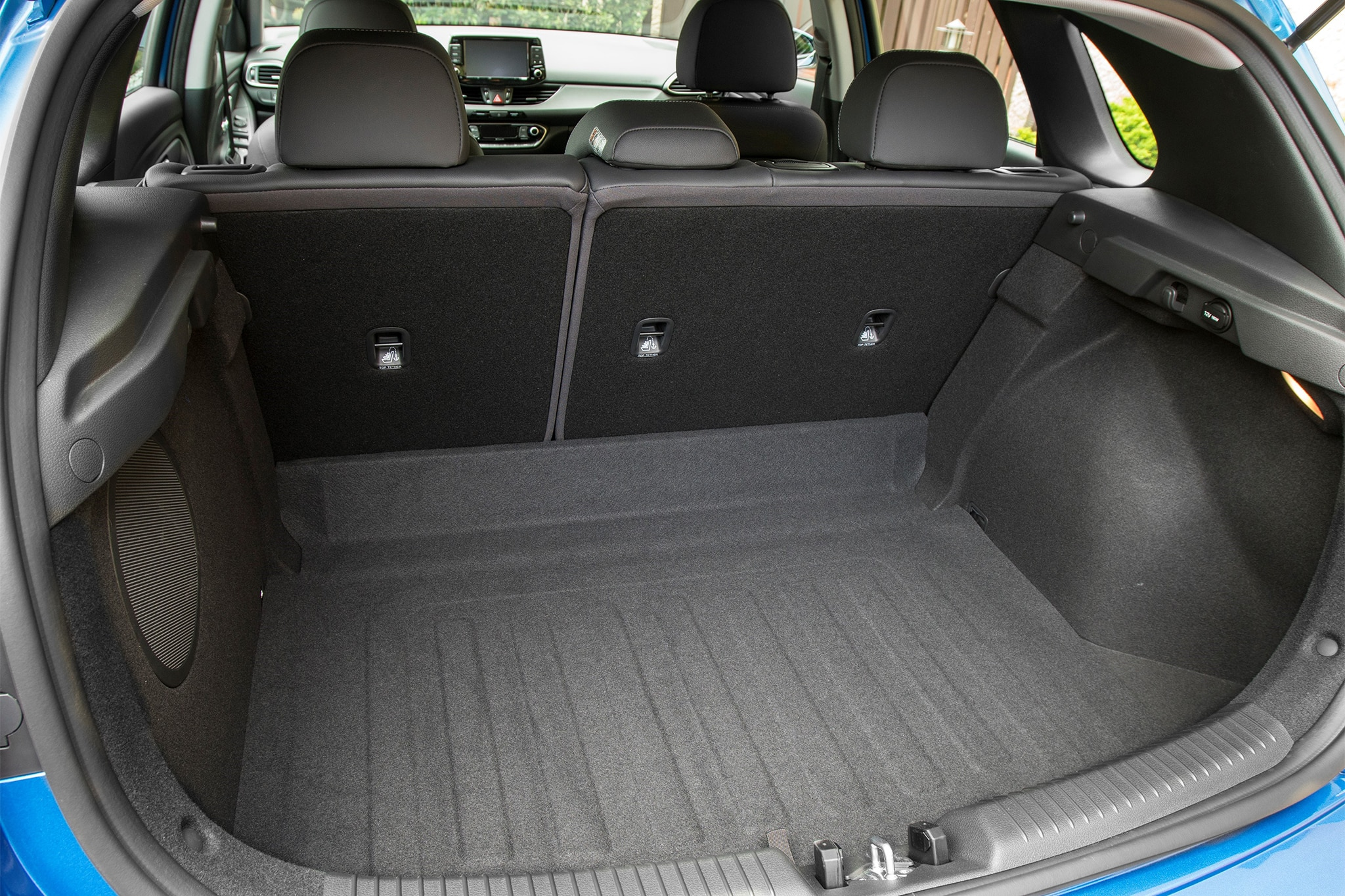 2018 hyundai elantra gt sport cargo space 01 motor trend en espa ol. Black Bedroom Furniture Sets. Home Design Ideas