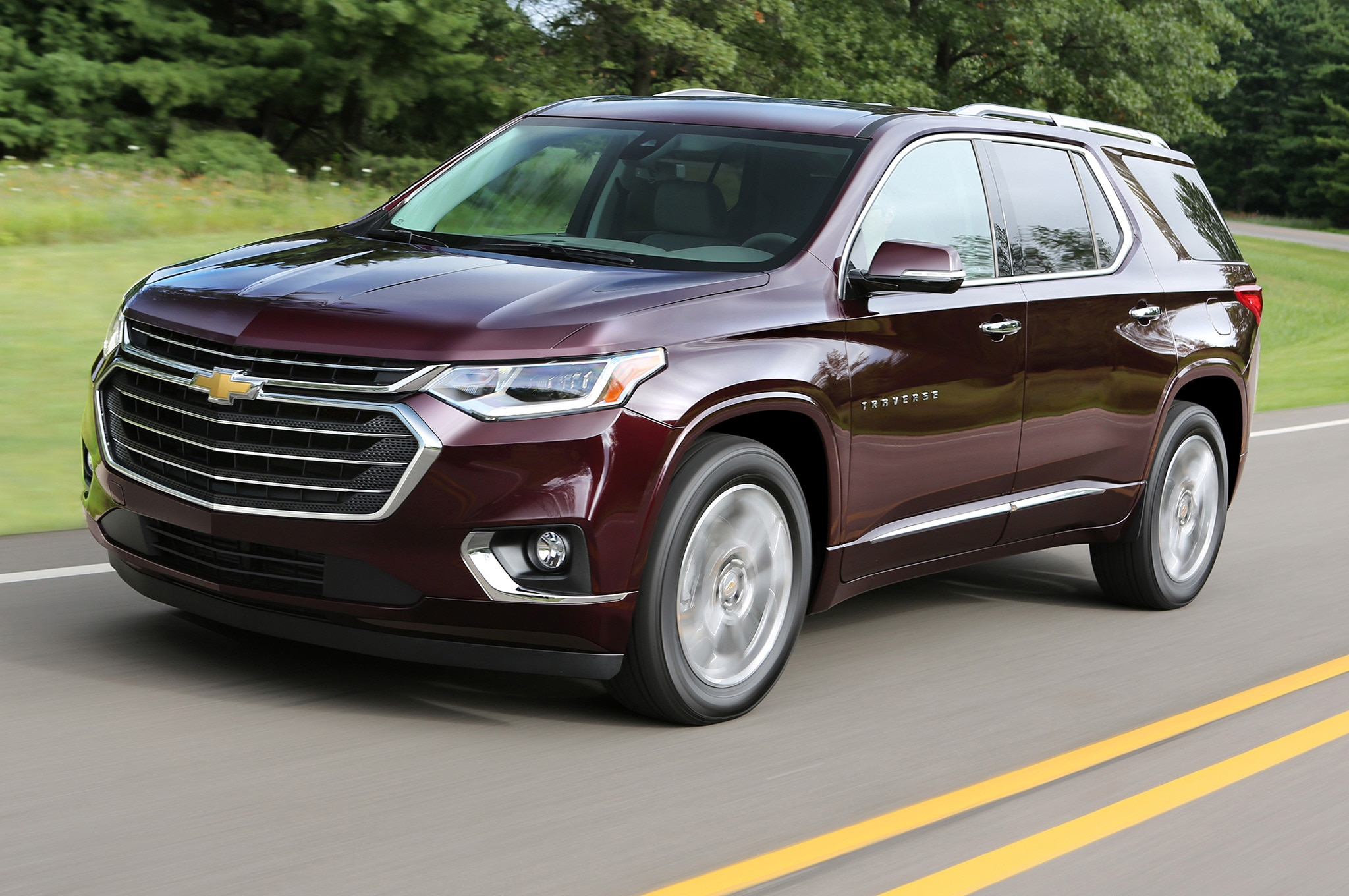 2018 Chevrolet Traverse Front Side Motion View