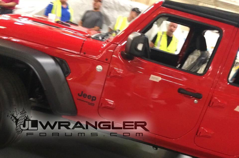 2018 Jeep Wrangler Unlimited Leak Side 1jpg