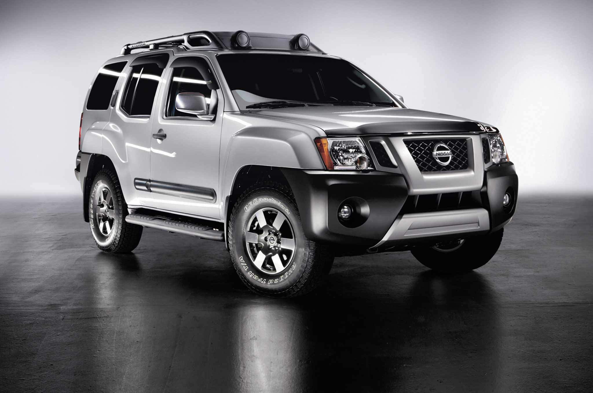 2013 Nissan Xterra Front Three Quarter