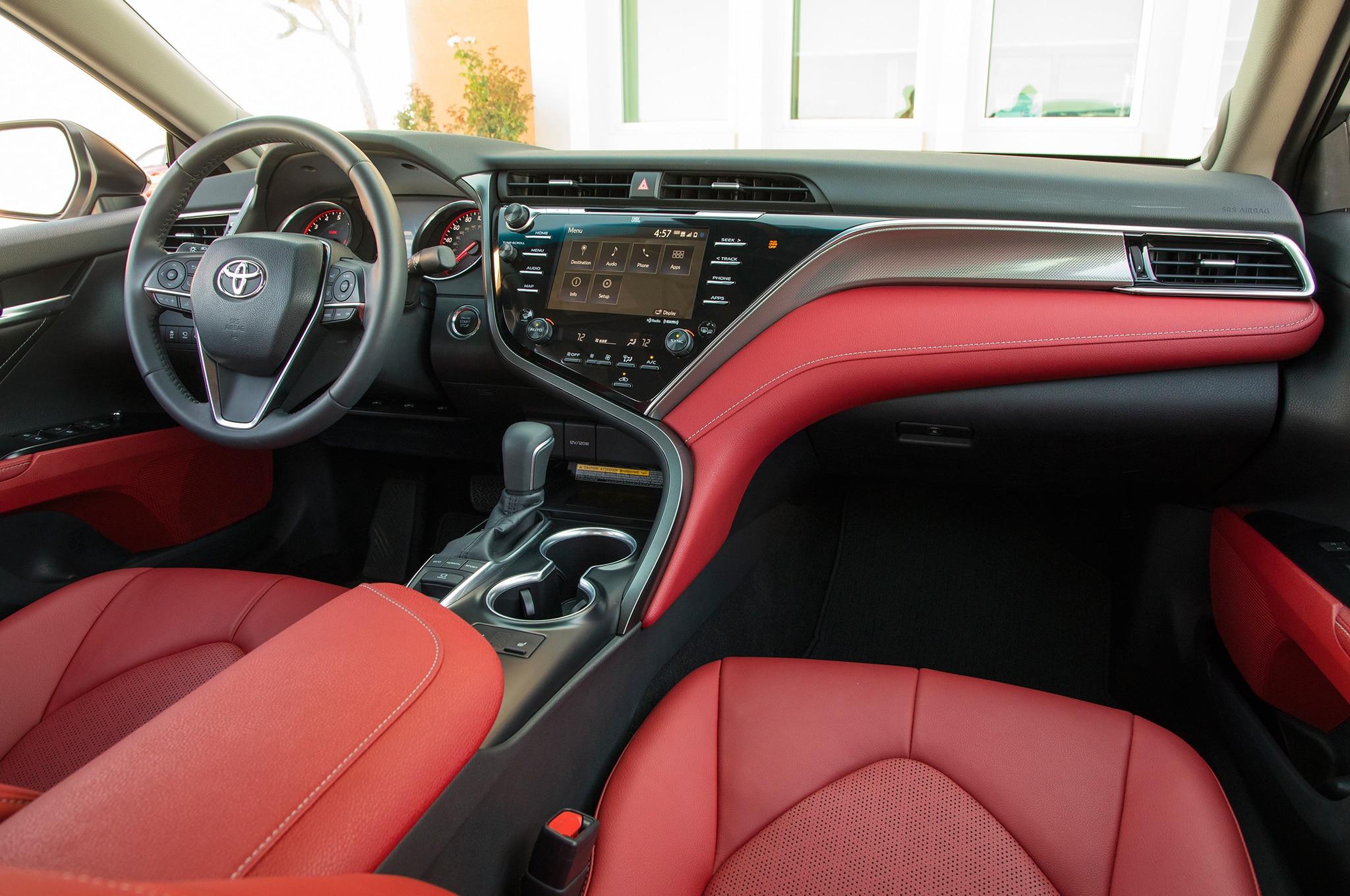 2018 Toyota Camry Xse Front Interior 01 Motor Trend En