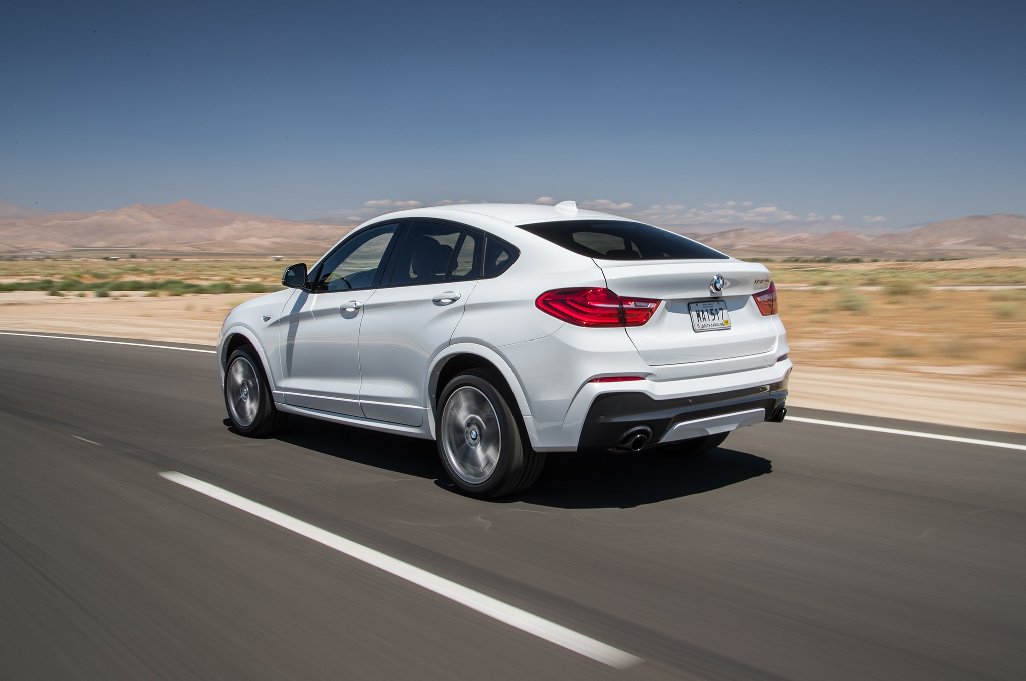 bmw x4 2018 contendiente a la suv del a o de motor trend 2018 motor trend en espa ol. Black Bedroom Furniture Sets. Home Design Ideas