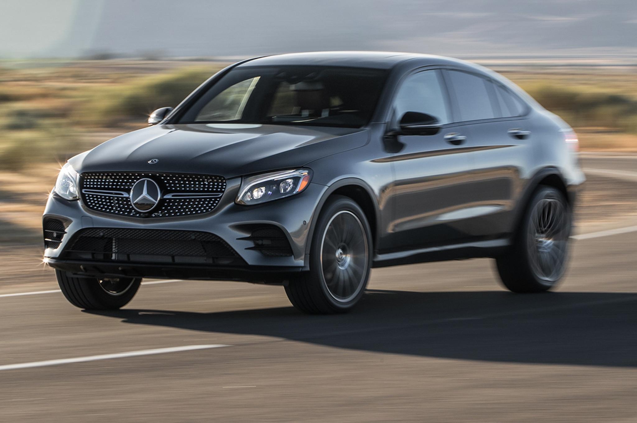 2018 Mercedes Benz GLC300 Front Three Quarter In Motion 00