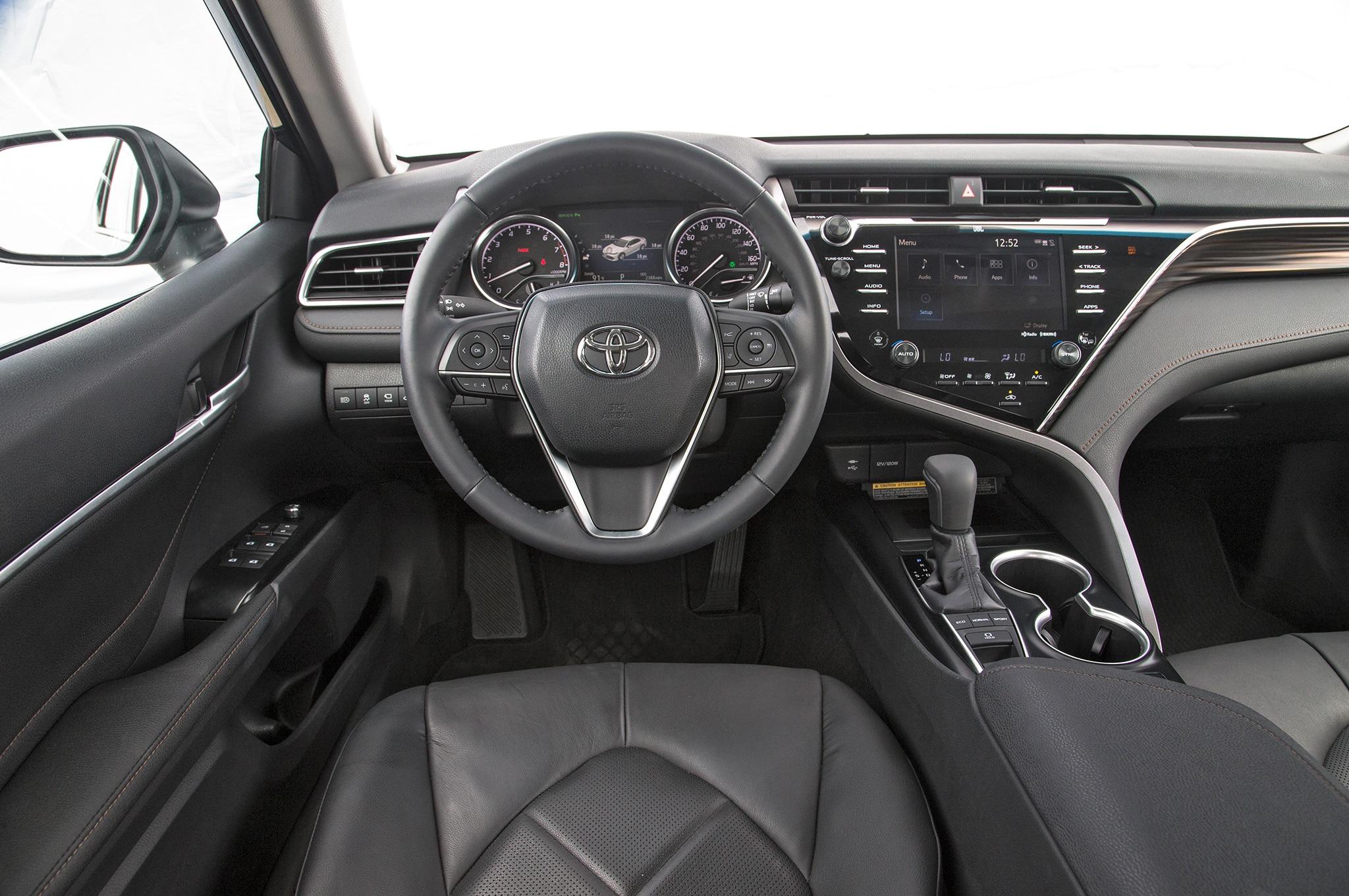 Toyota Camry: Contendiente a Auto del Año de Motor Trend ...