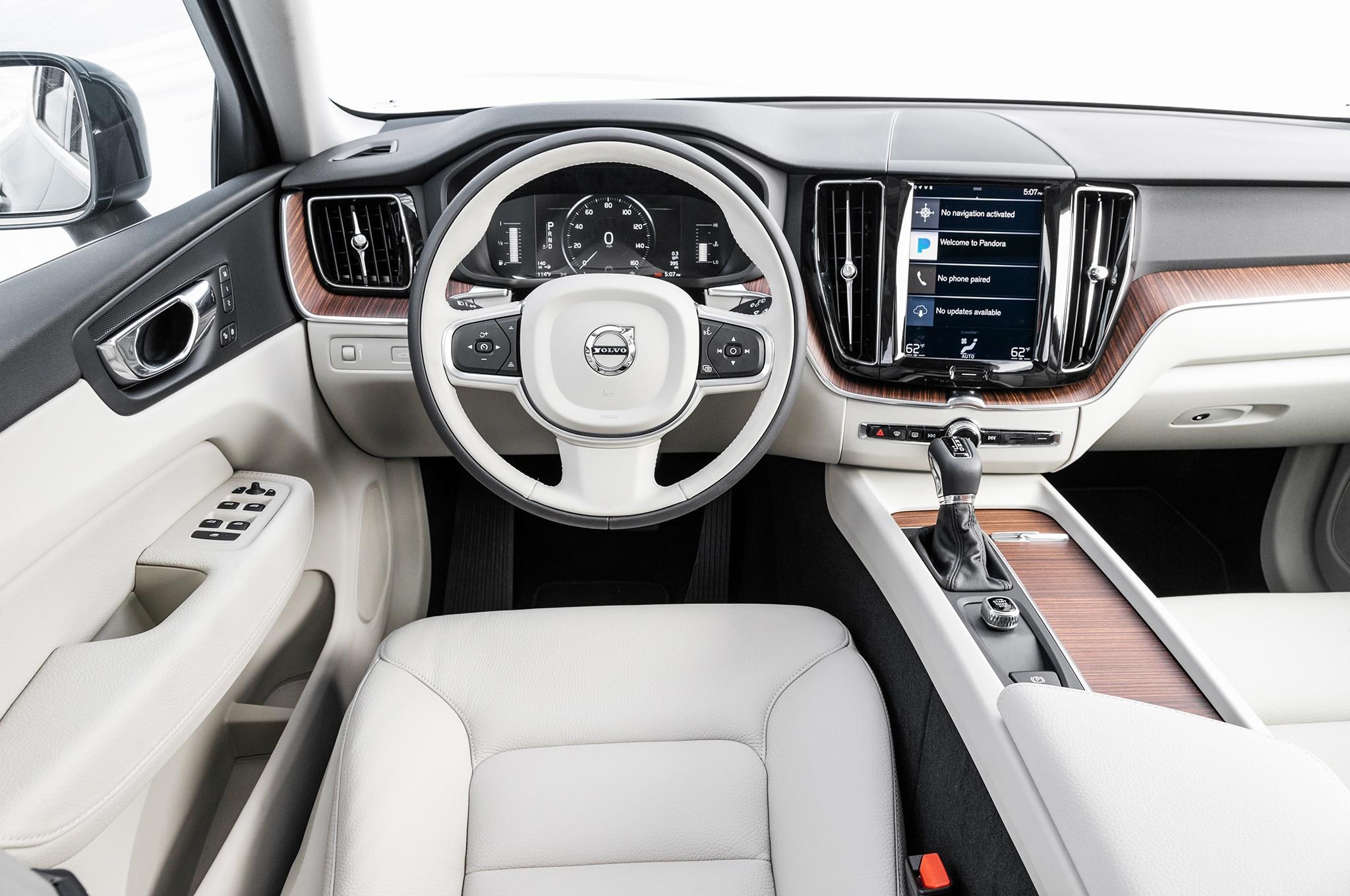 Volvo xc60 finalista a suv del a o de motor trend 2018 for Xc60 2017 interior