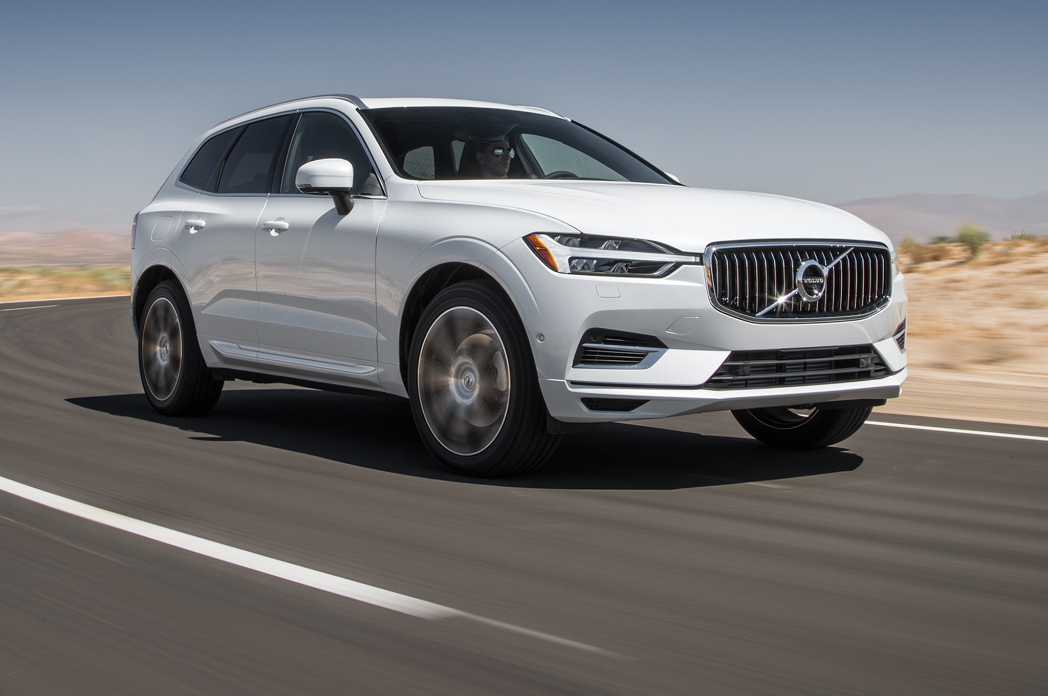 2018 Volvo XC60 T8 Inscription Front Three Quarter In Motion 01