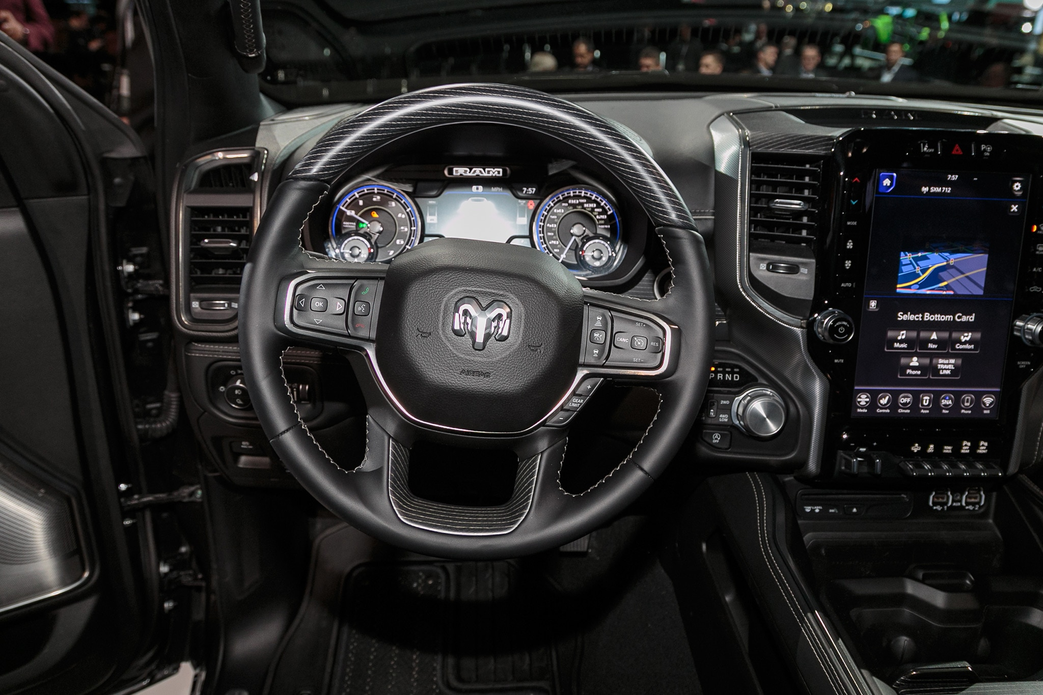 2019 Ram 1500 Limited 12 - Motor Trend en Español