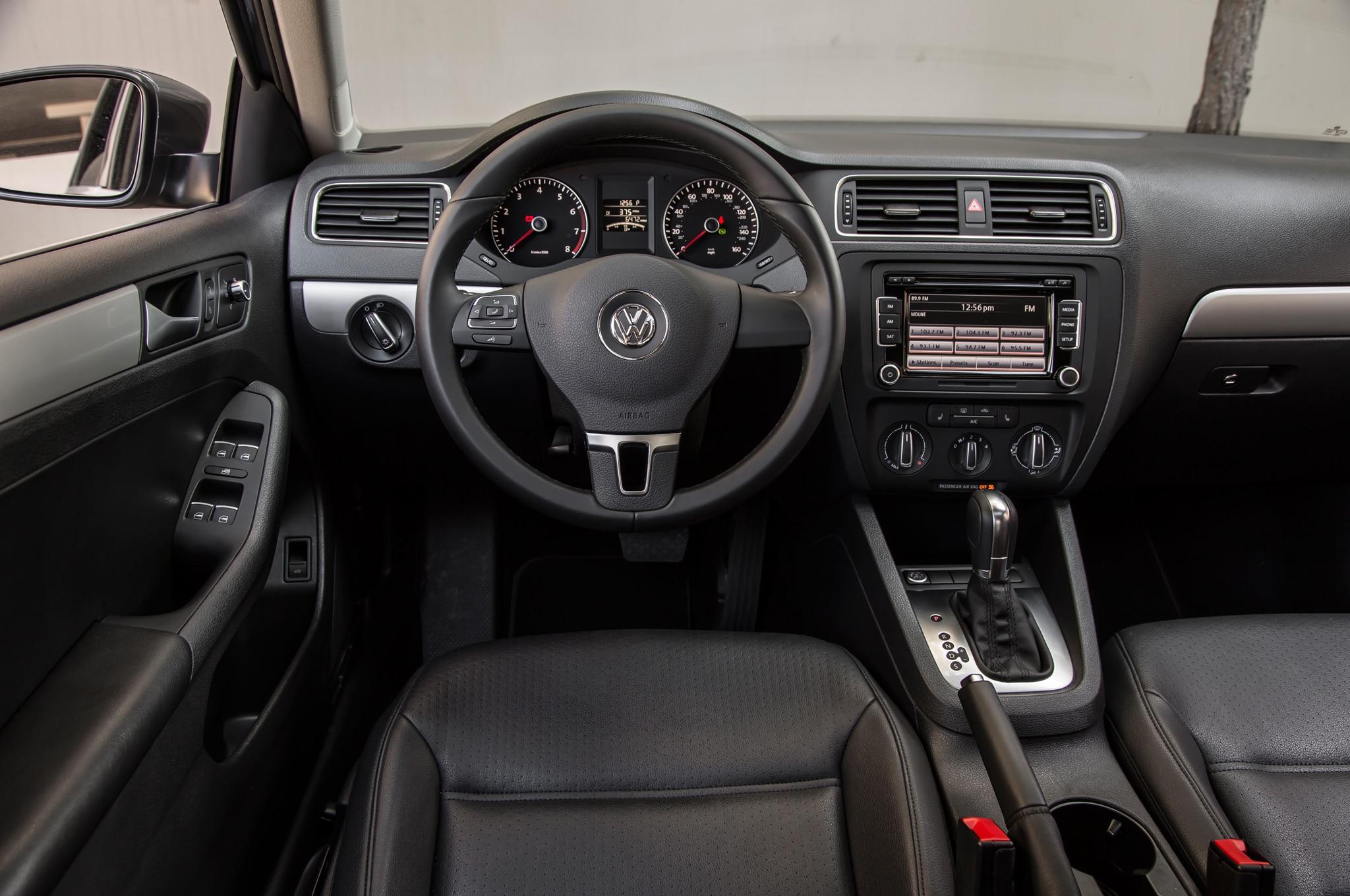 Volkswagen Jetta 1 8t 2014 Primera Prueba Autos Terra Motor Trend