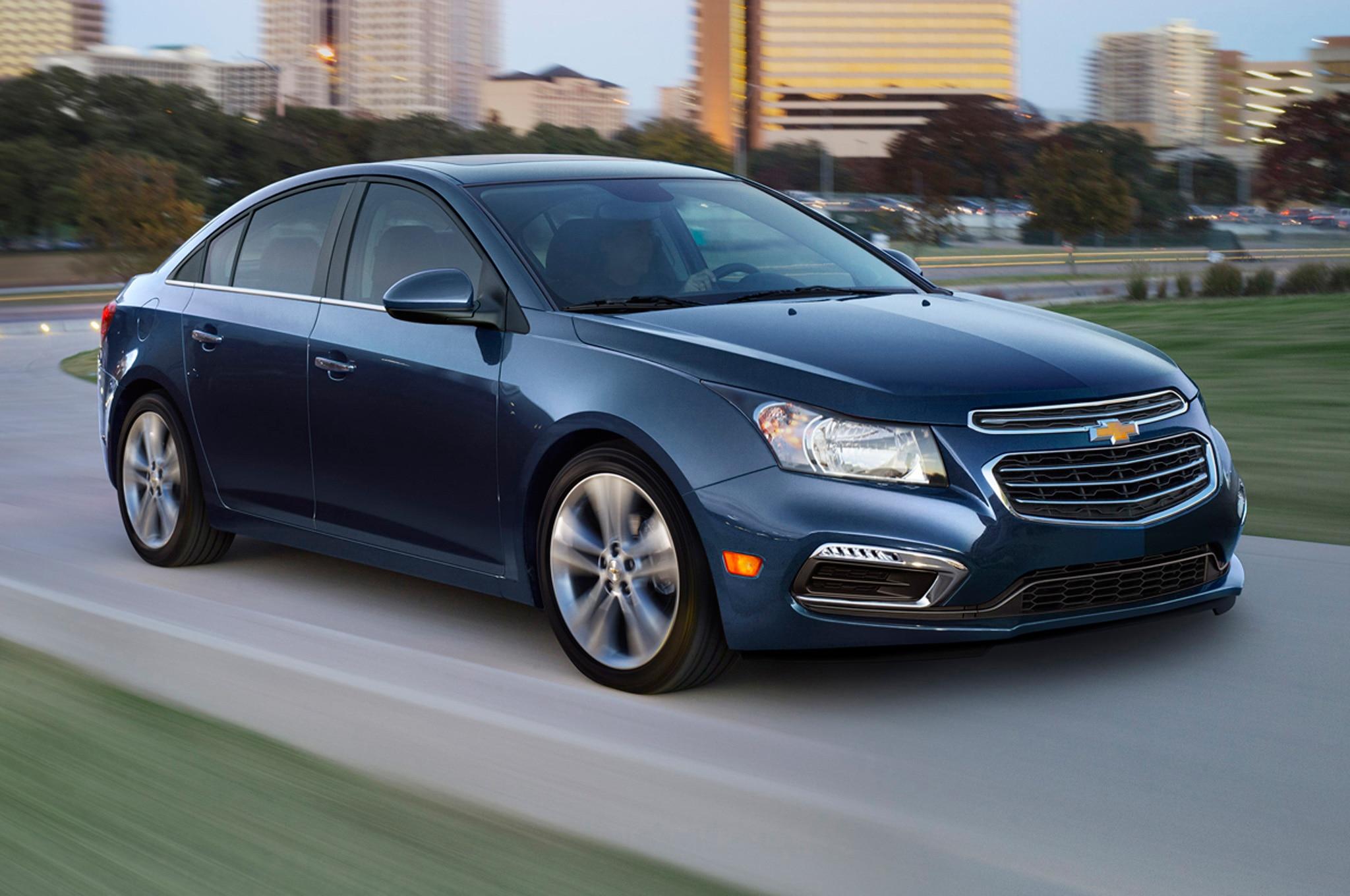 Chevrolet Cruze 2015 se actualiza con un nuevo frente