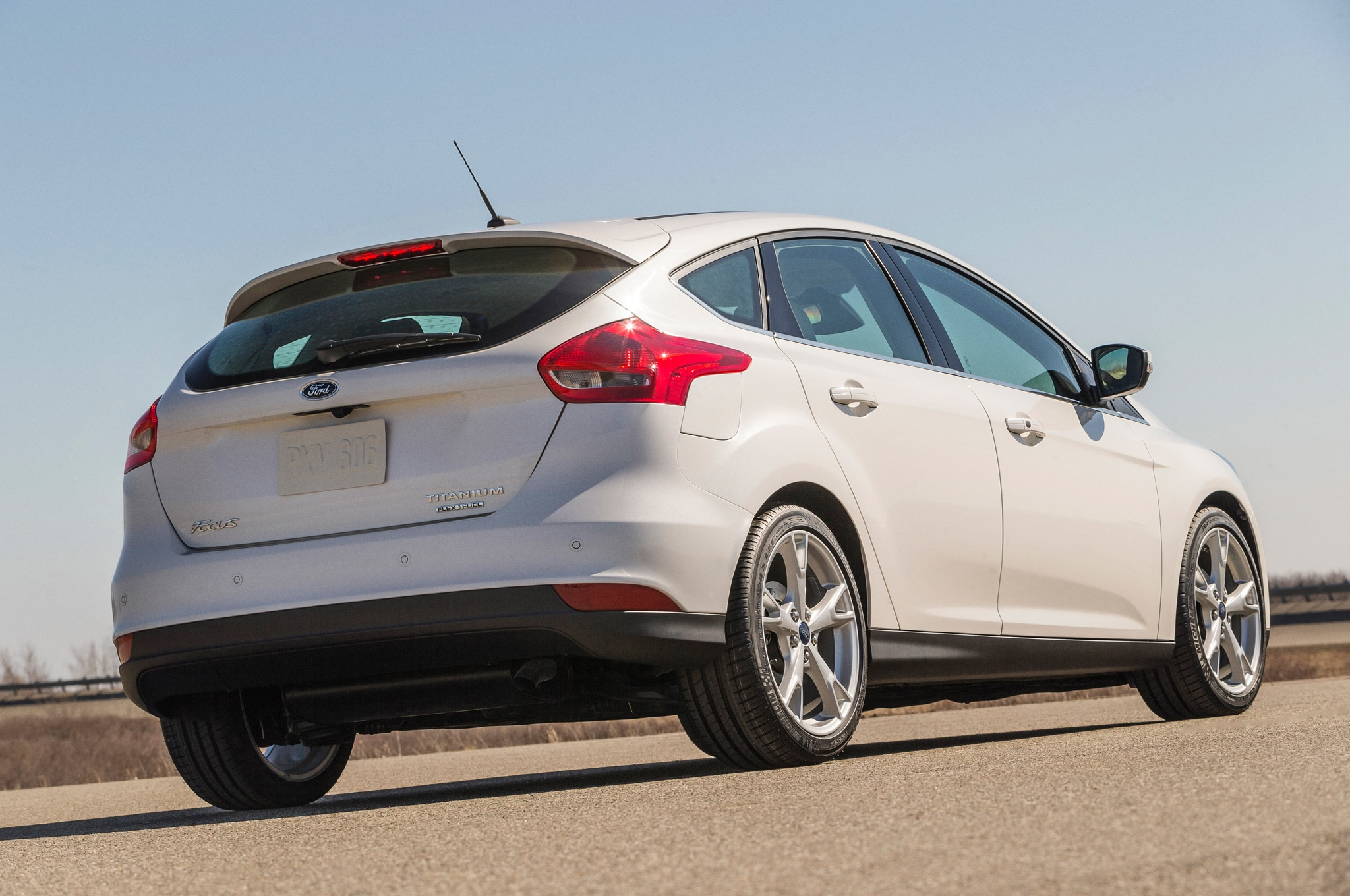 2015 ford focus se 2.0 l manual hatchback