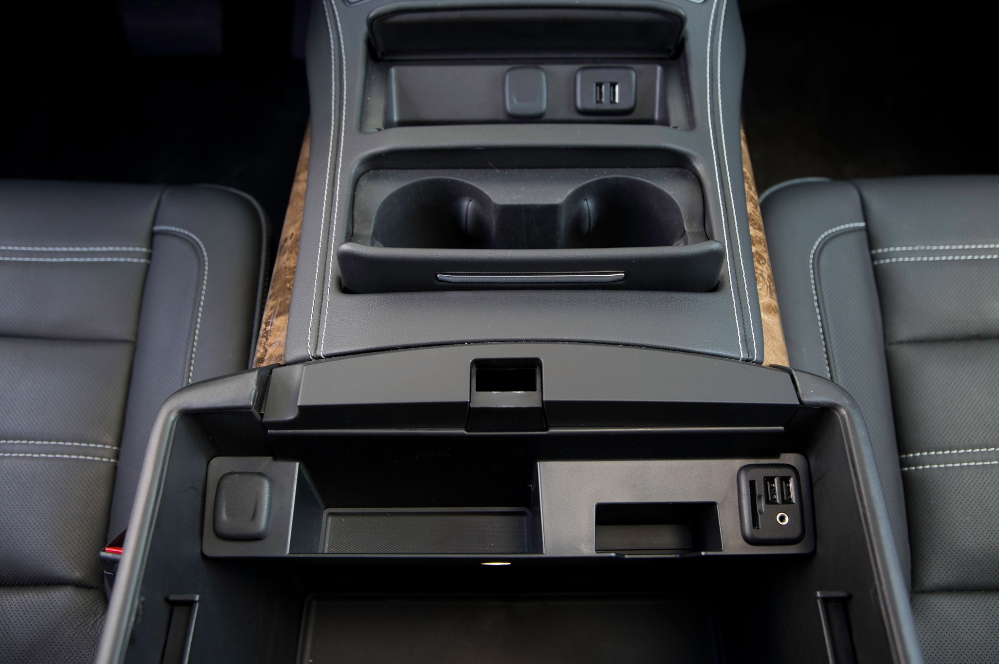 2017 Gmc Yukon Denali Center Console 28 Junio 2016 Wpengine