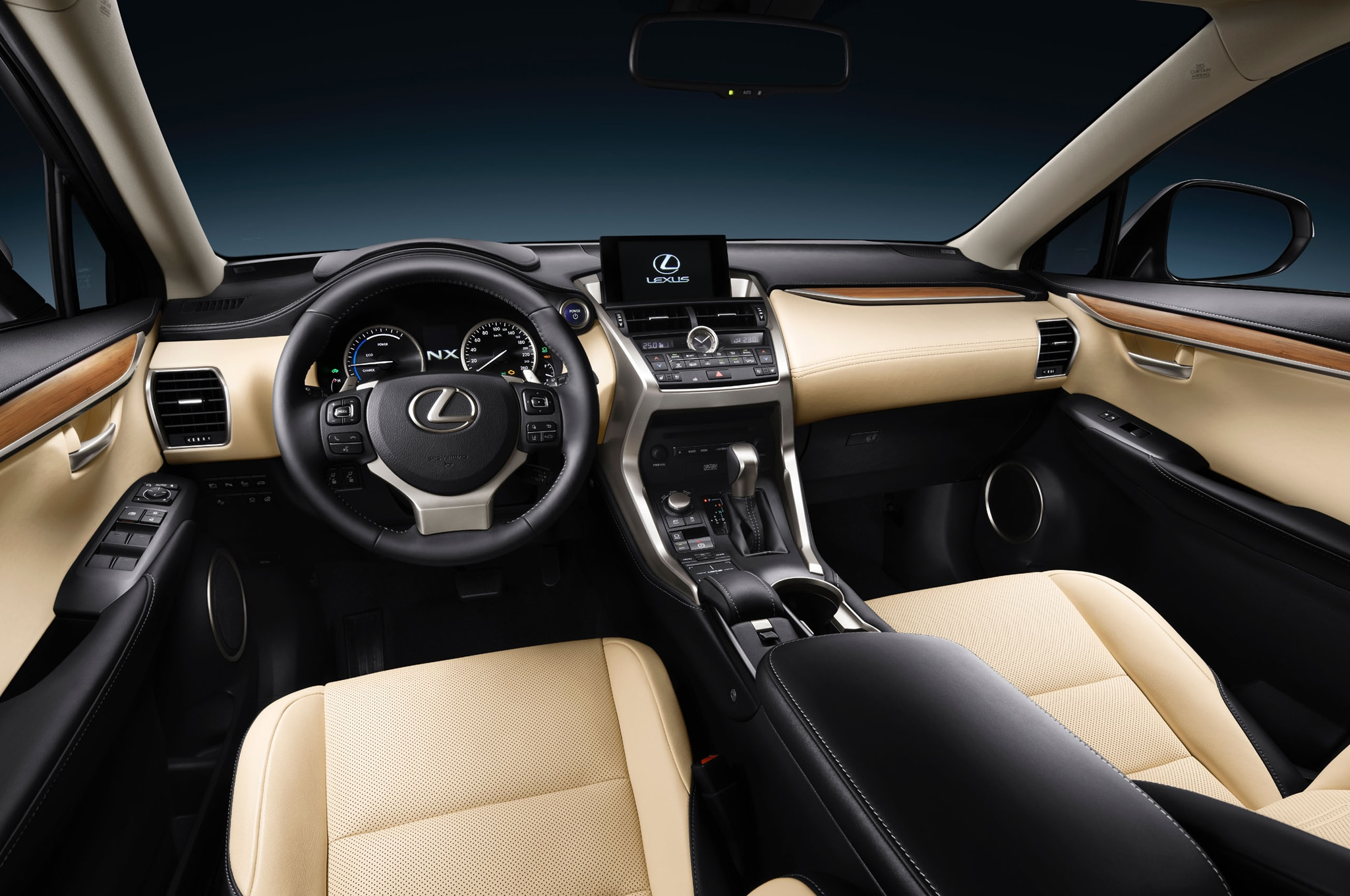 2015-Lexus-NX-300h-interior - Motor Trend en Español