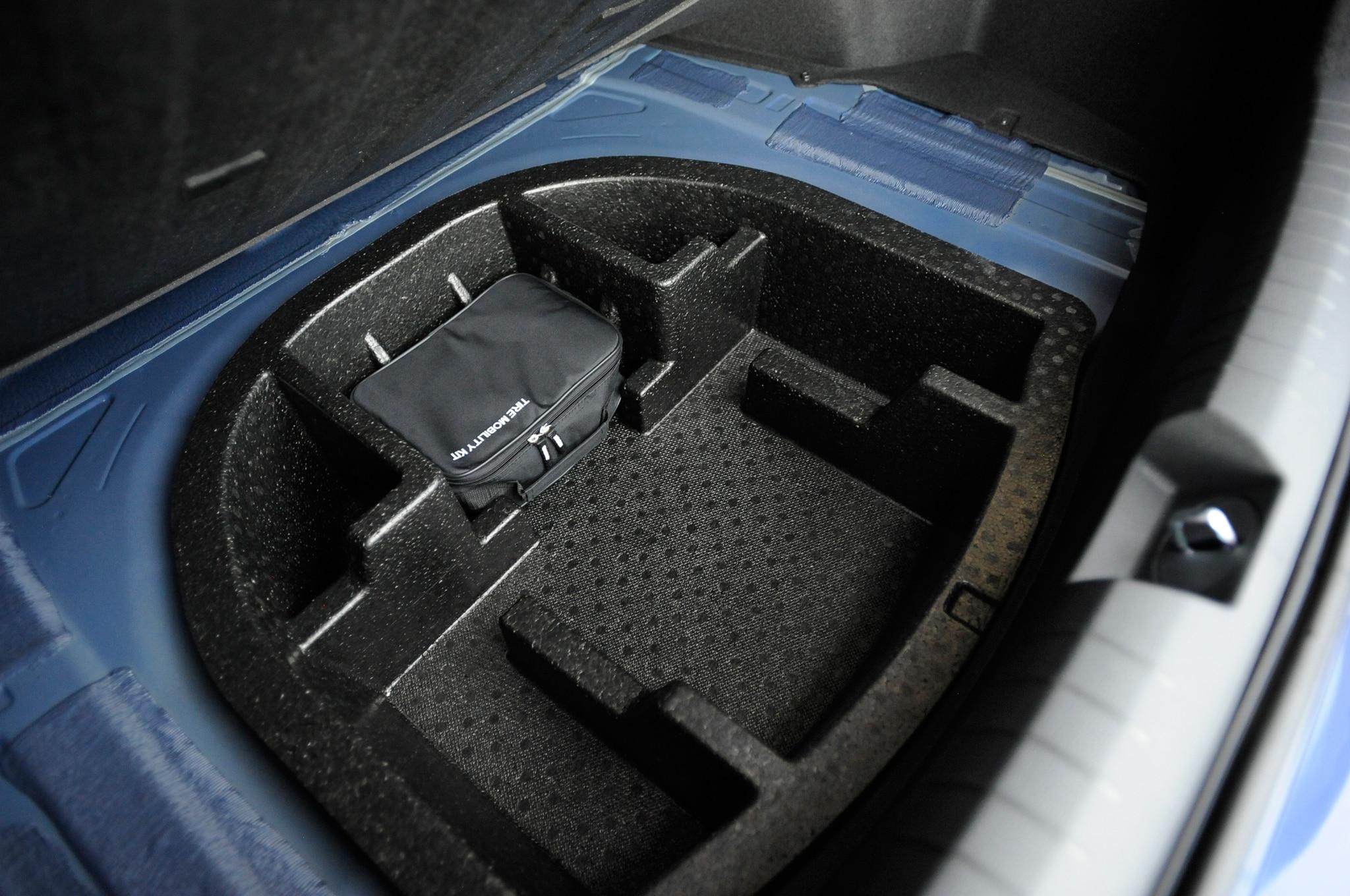 Dodge Ram 2015 >> 2015-Hyundai-Sonata-Eco-rear-spare-tire - Motor Trend en Español