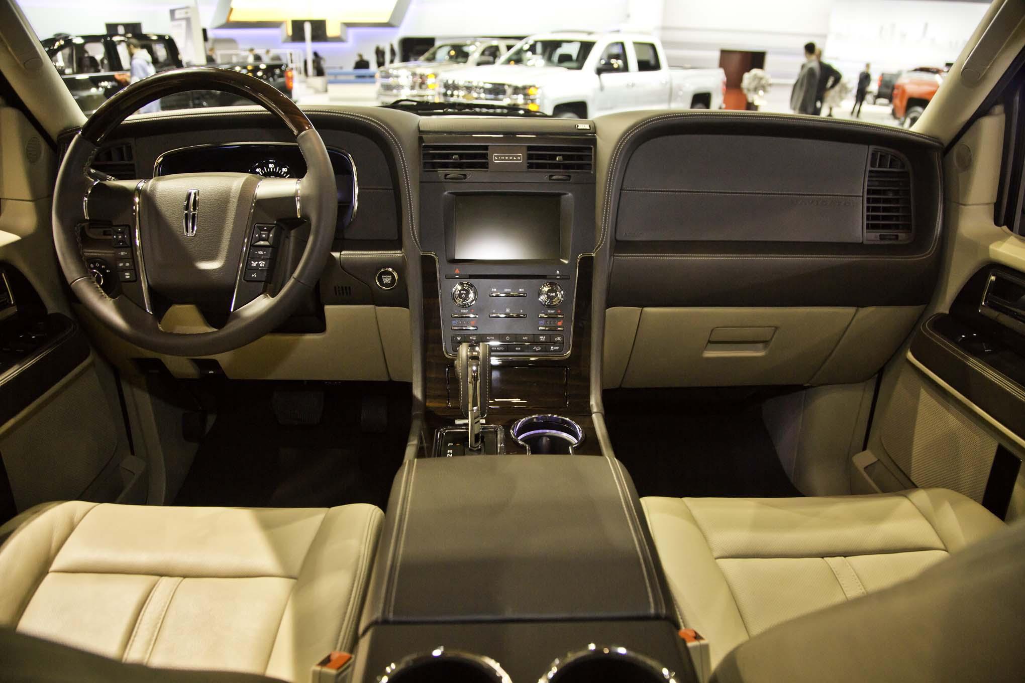 2017 Lincoln Navigator Interior View