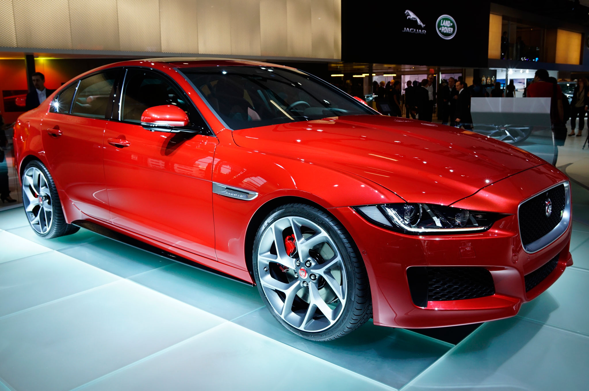 2016 Jaguar XE Front Three Quarter View 1