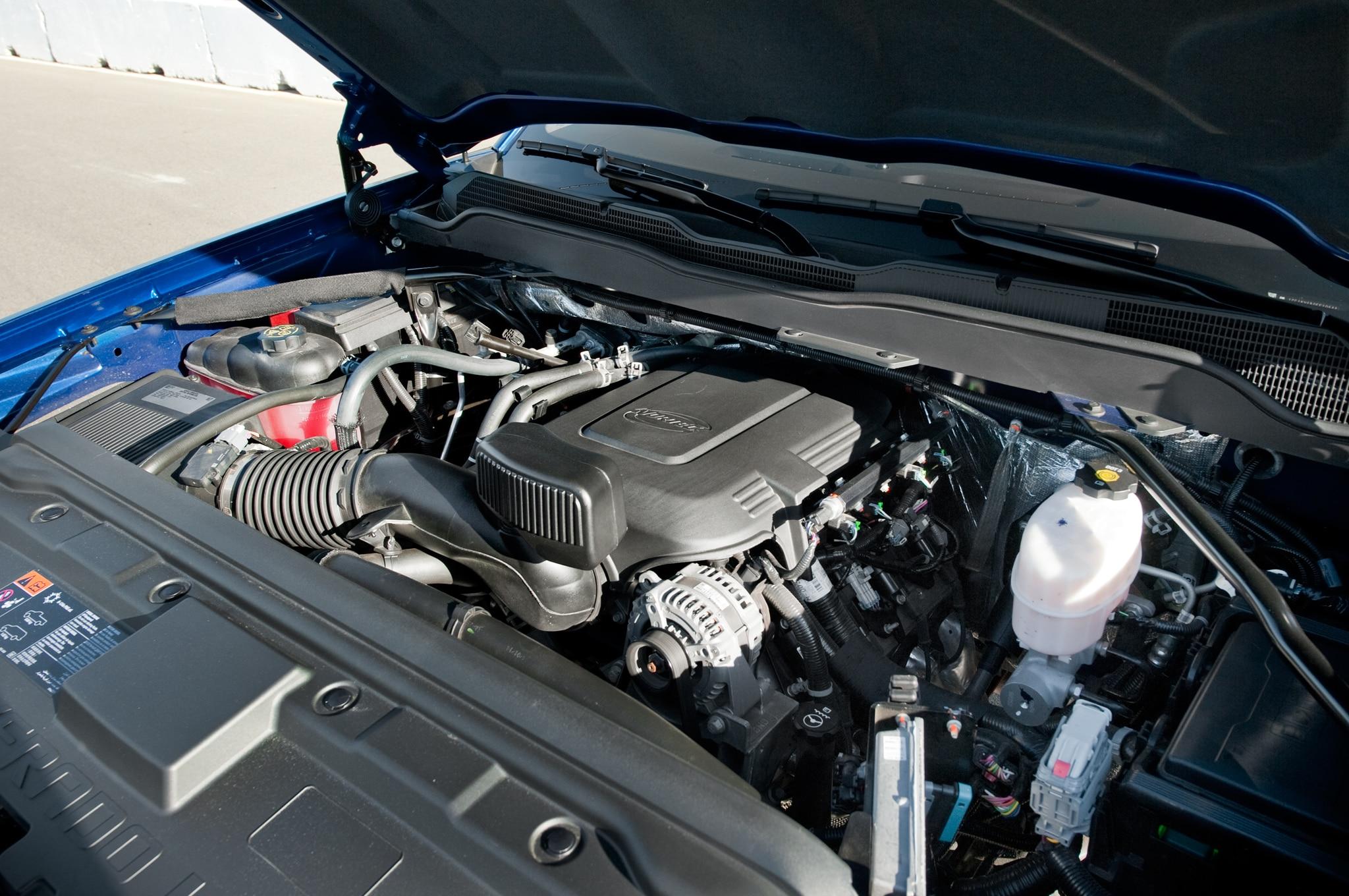 Chevrolet Silverado Hd Vortec Engine View