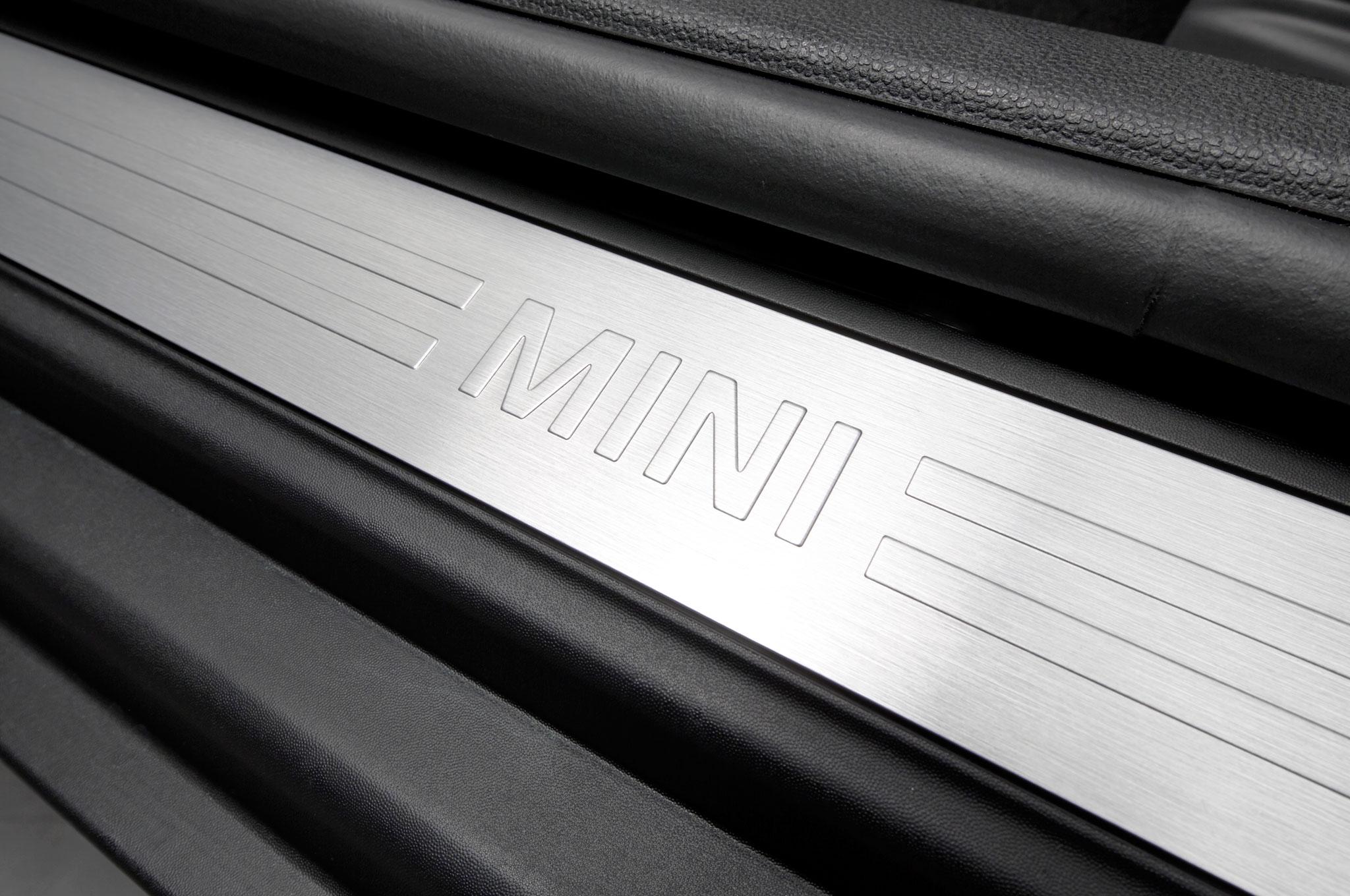 2016 Mini Clubman Interior Door Sill Plate Motor Trend En Español