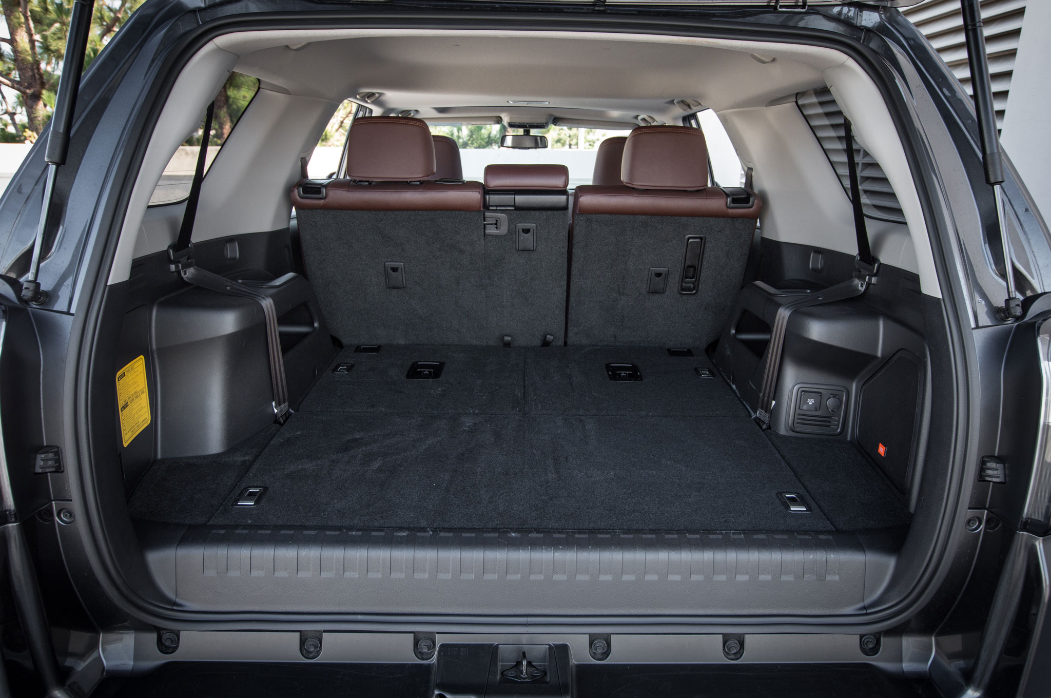 2015 toyota 4runner limited cargo space 02 motor trend. Black Bedroom Furniture Sets. Home Design Ideas