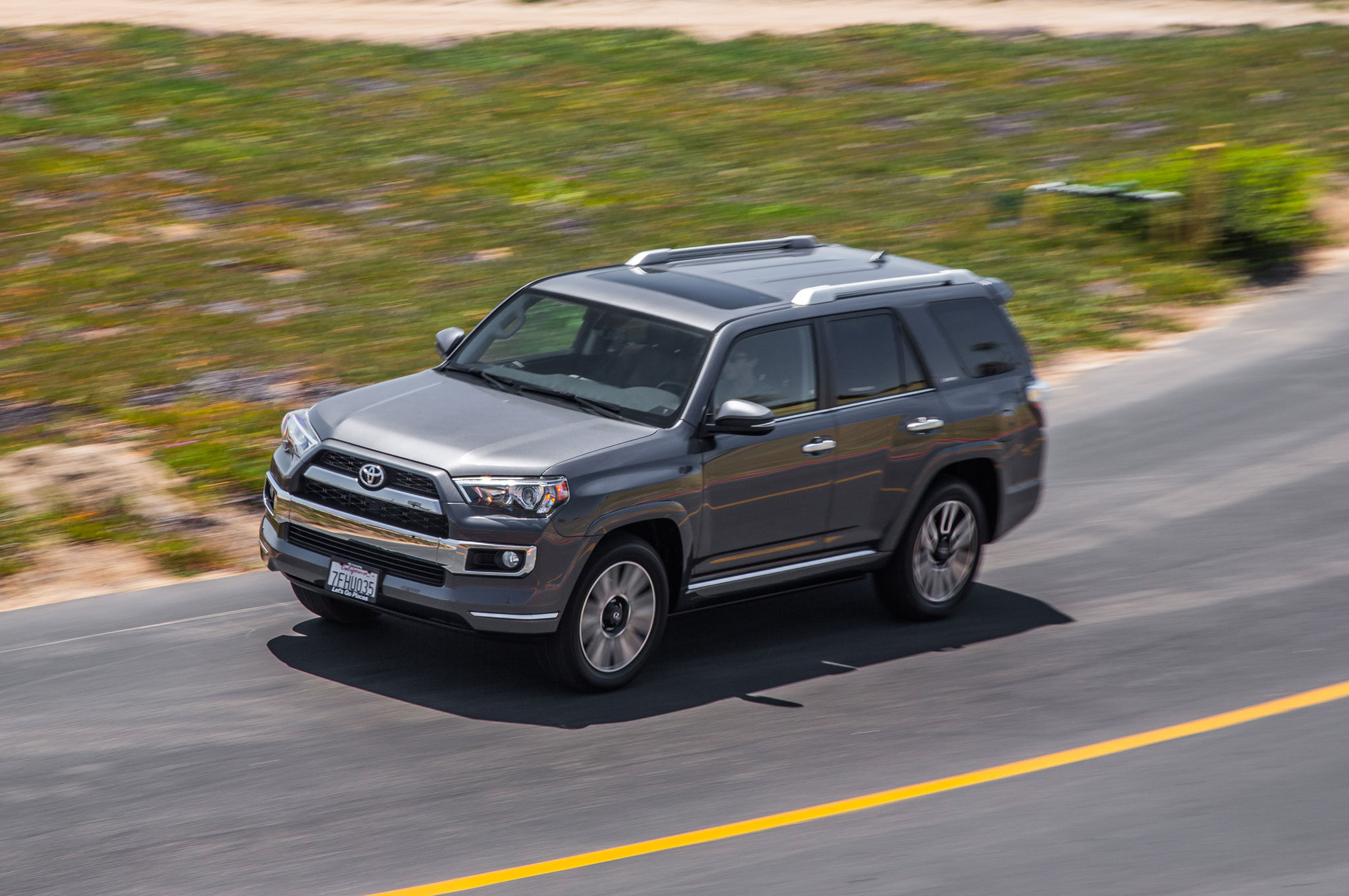 2015 Toyota 4Runner Limited Front Three Quarter In Motion 03