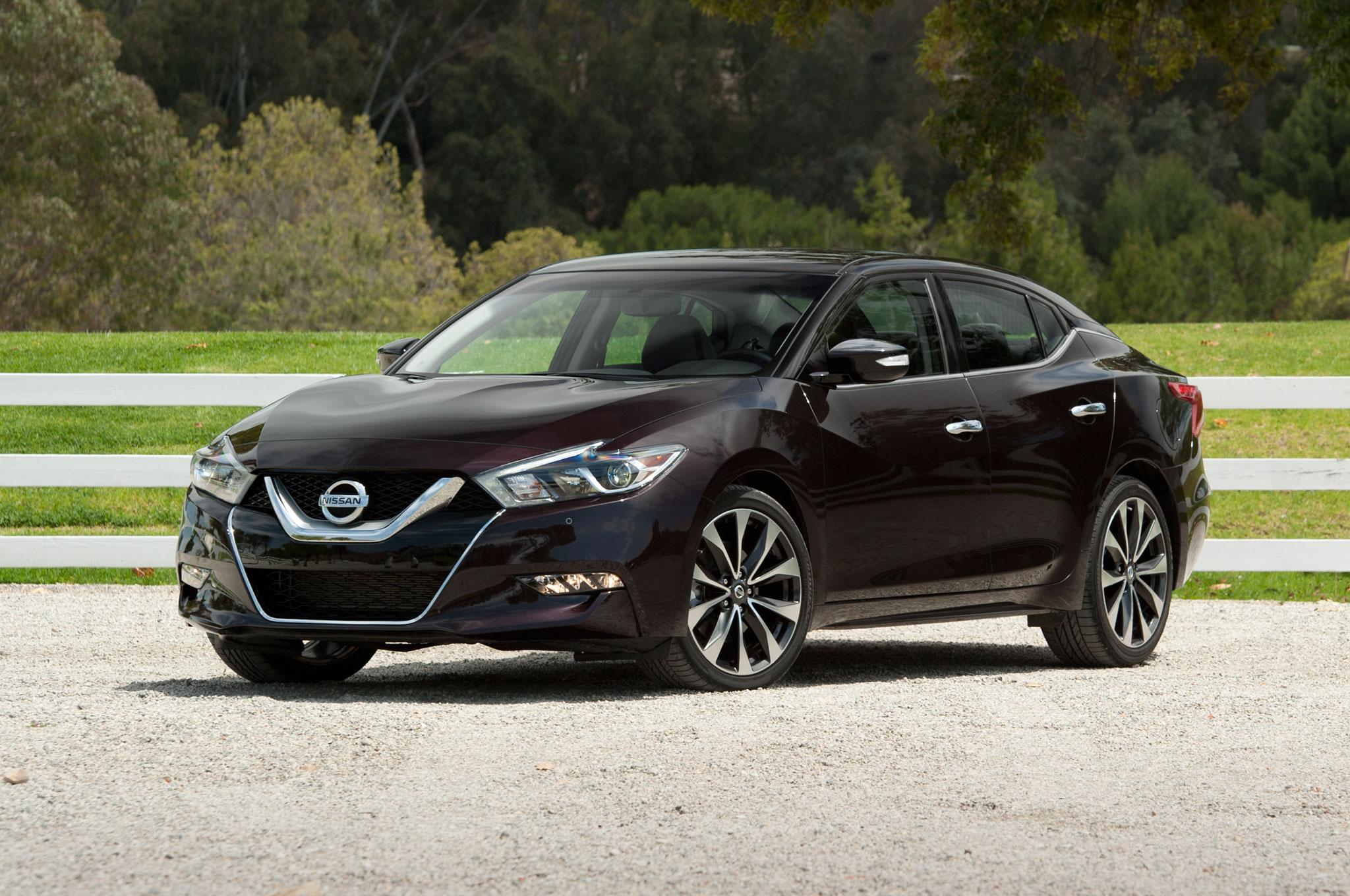 Nissan detiene las ventas del Maxima 2016