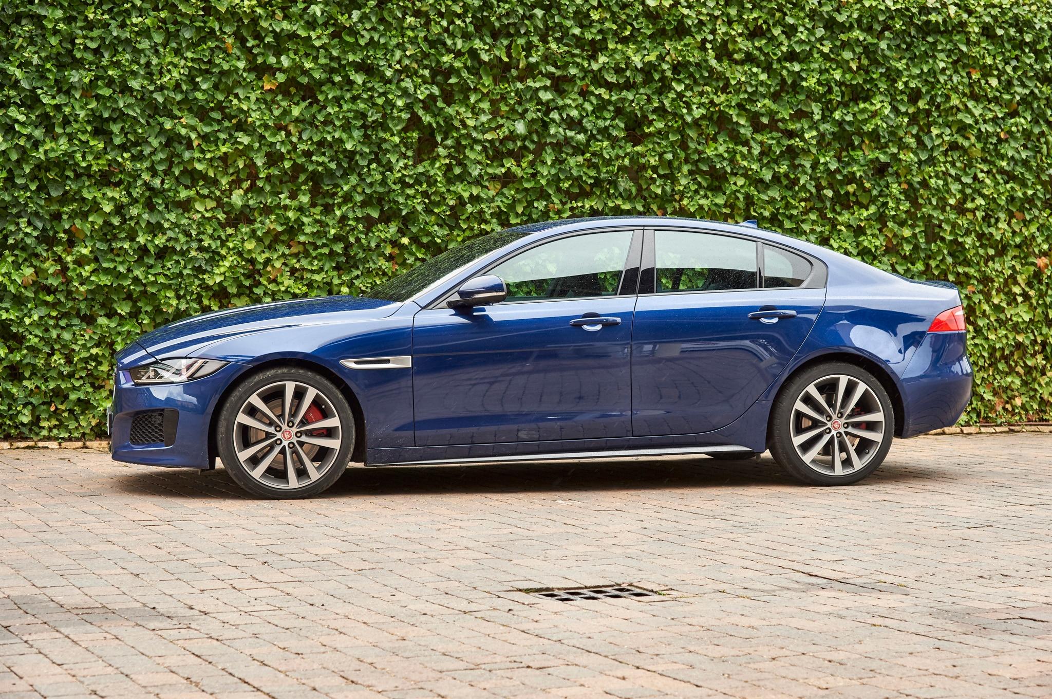 2017 Jaguar Xe S Side Profile 29 Junio 2016 Wpengine