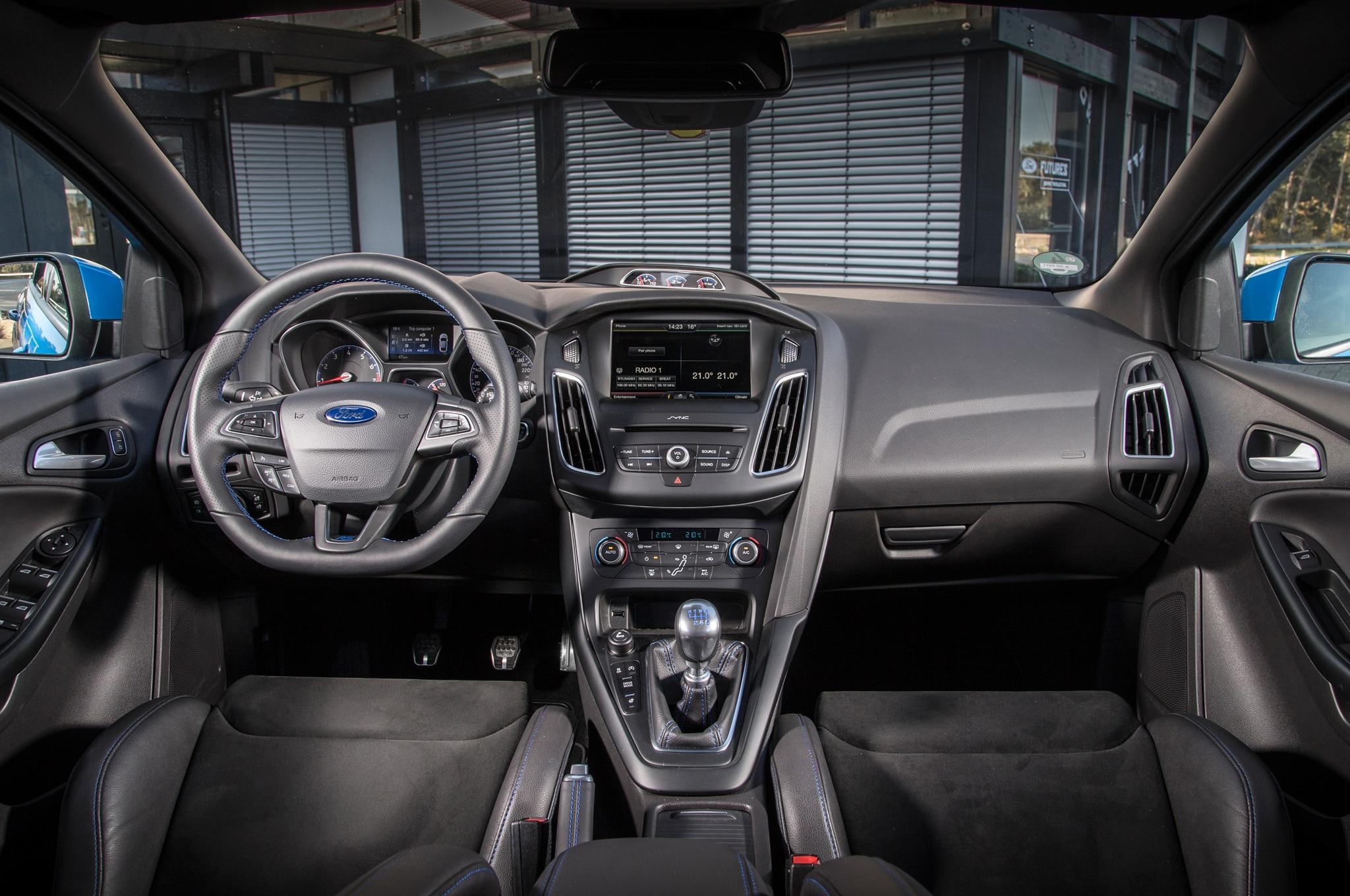 2016 Ford Focus Rs Interior Motor Trend En Espa 241 Ol