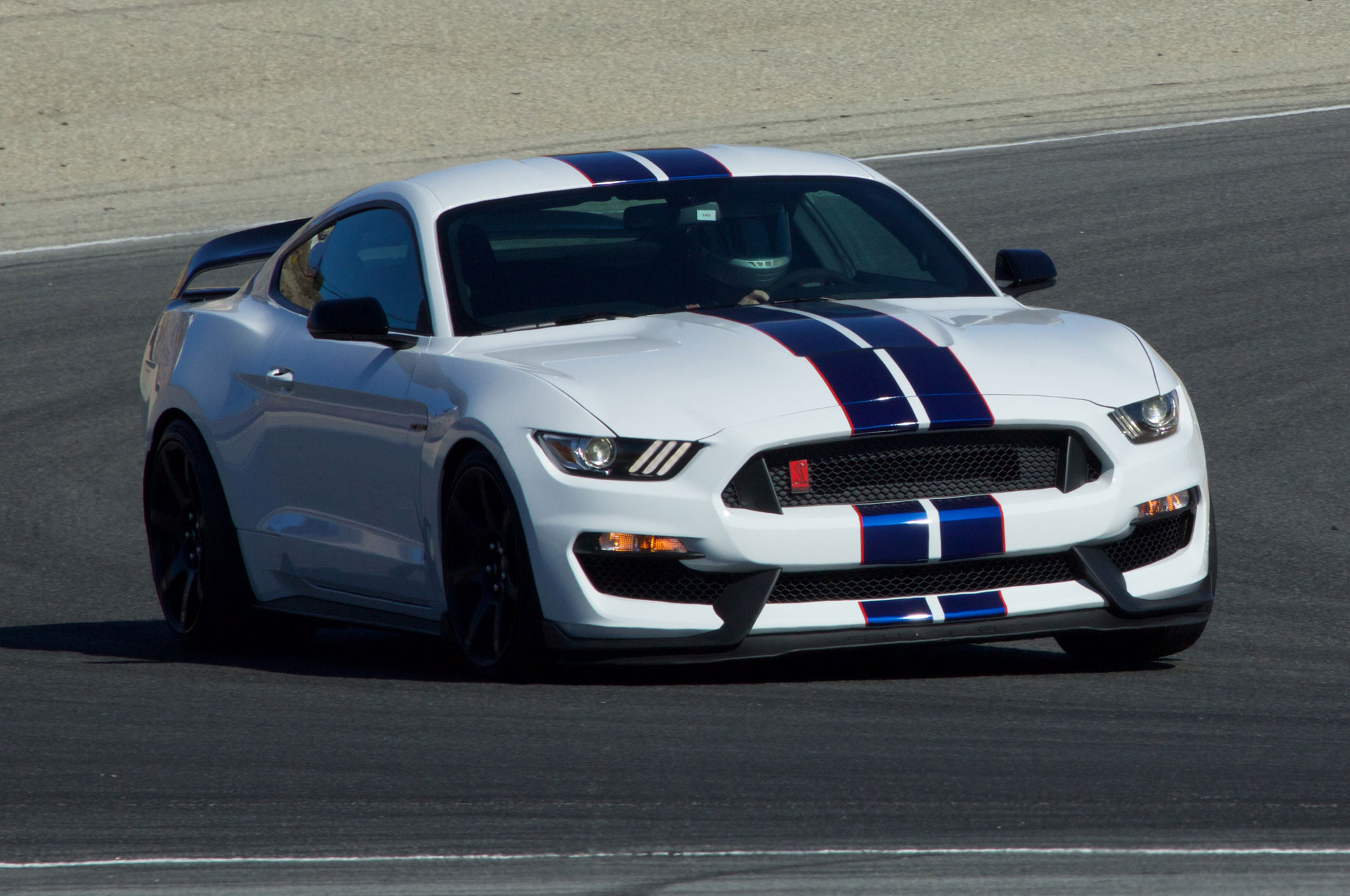 Ford Shelby Gt350 Mustang Y Gt350r Con M 225 S Equipamiento