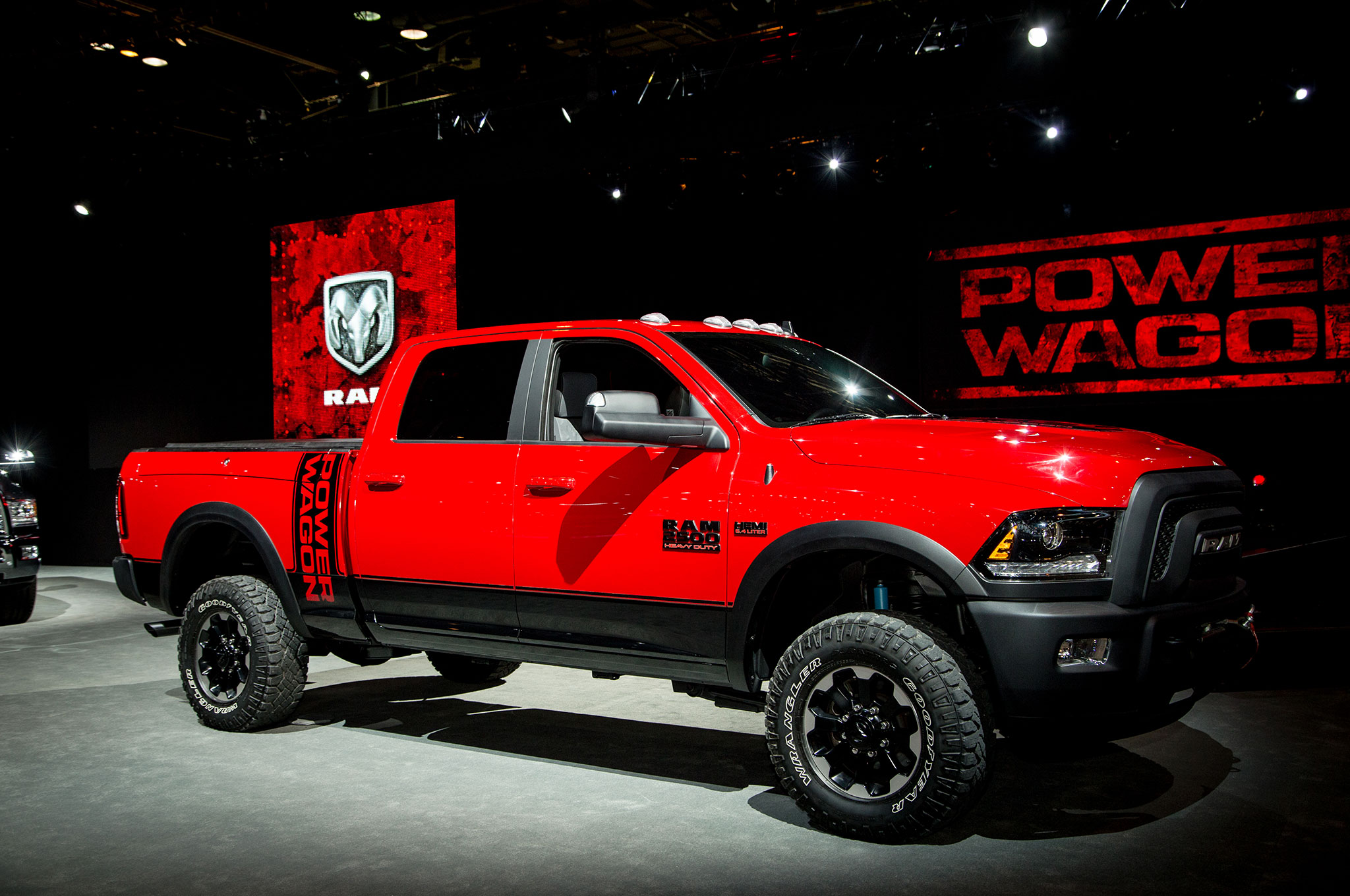 Ram Power Wagon 2017 Primer Vistazo