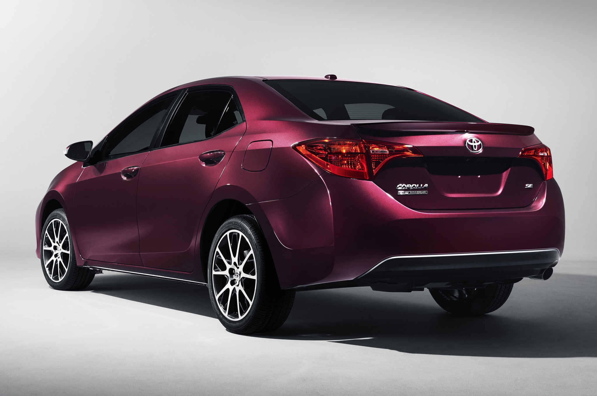 2017 Toyota Corolla 50th Anniversary Special Edition Rear Side View 29 Junio 2016 Wpengine