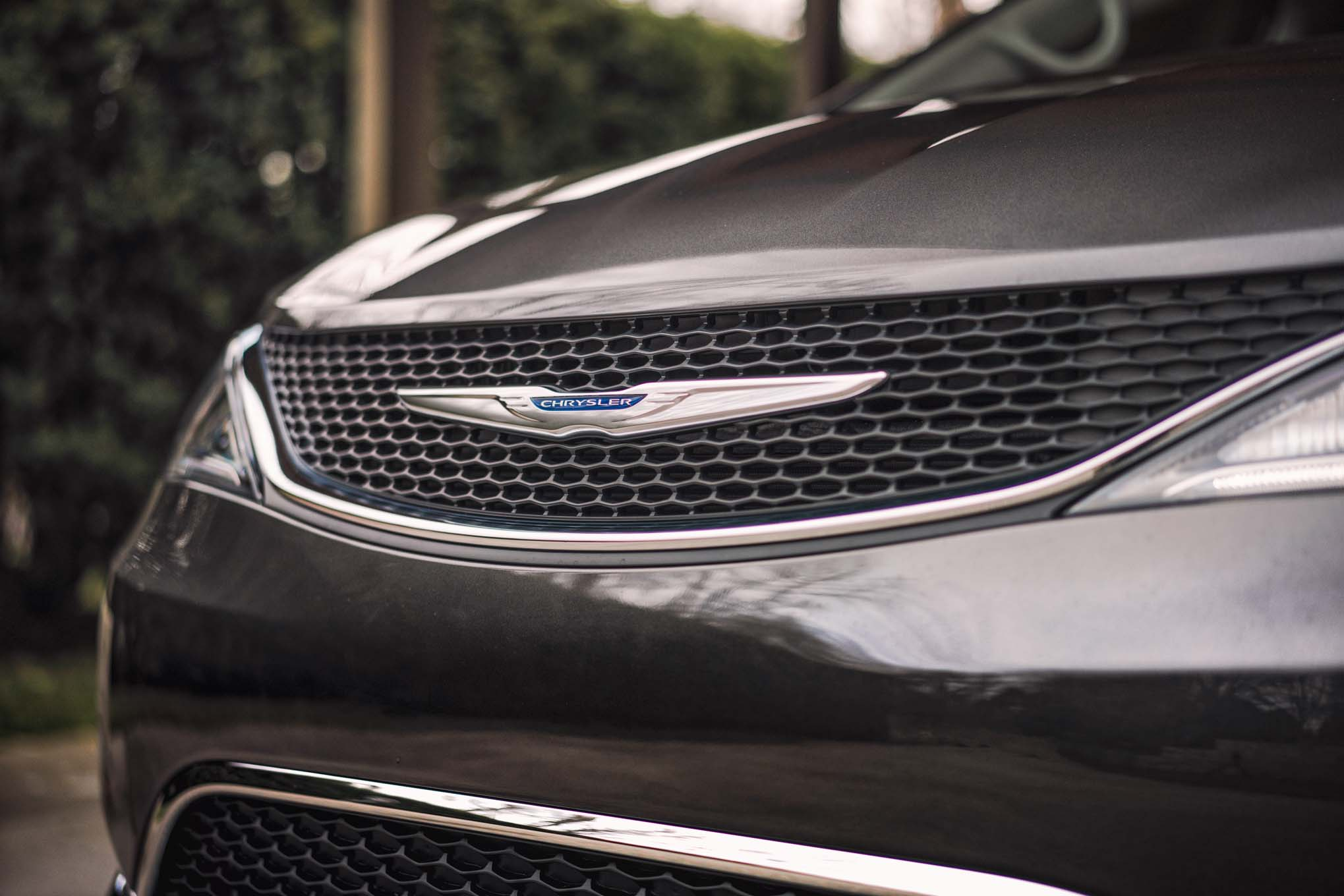 2017 Chrysler Pacifica Grille Badge