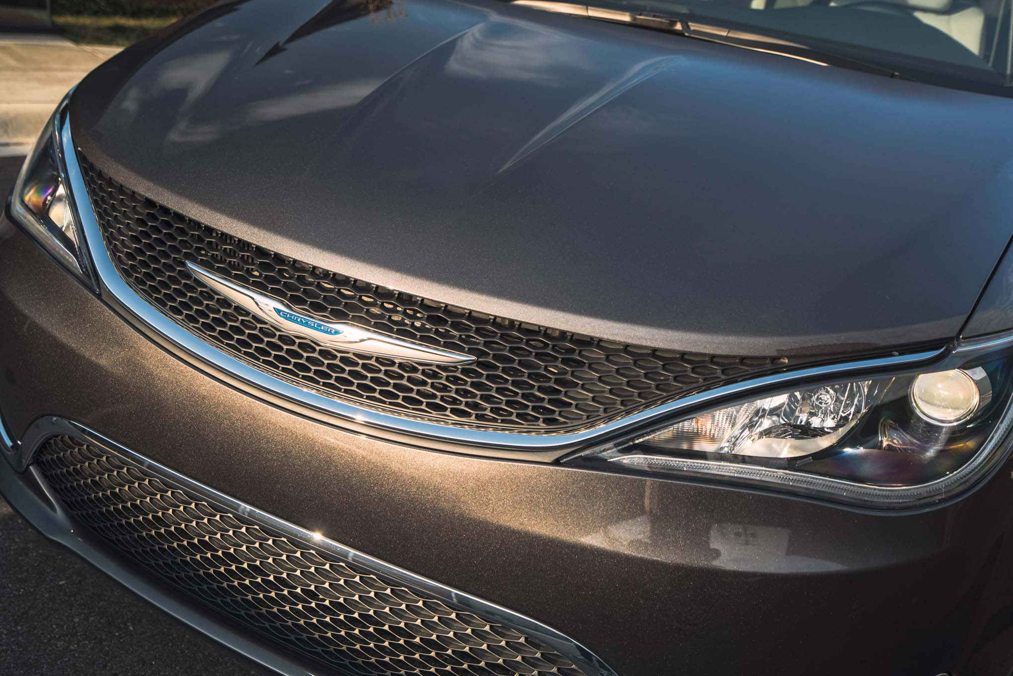 2017 Chrysler Pacifica Grille