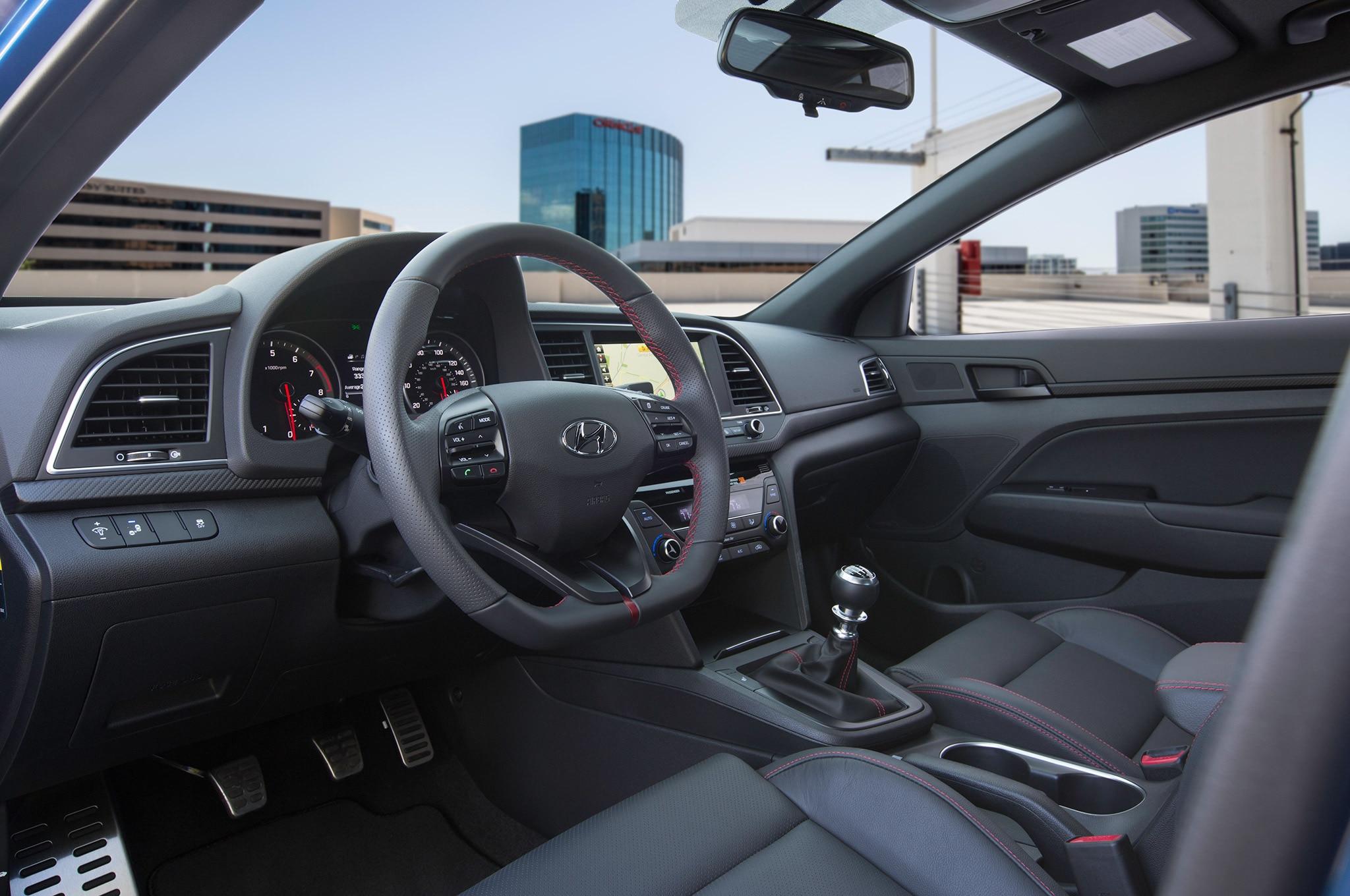 Hyundai Elantra Sport, con motor 1.6 turbo