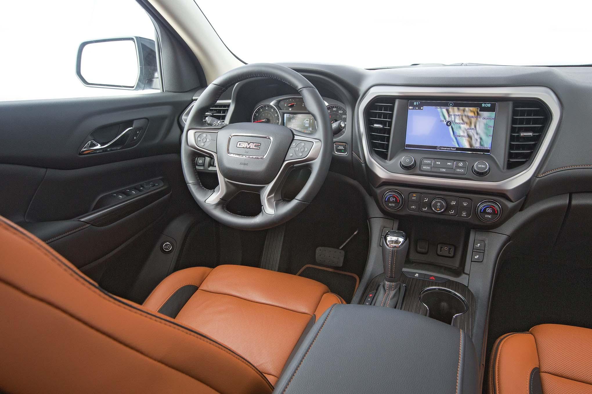 2017-GMC-Acadia-All-Terrain-interior - Motor Trend en Español