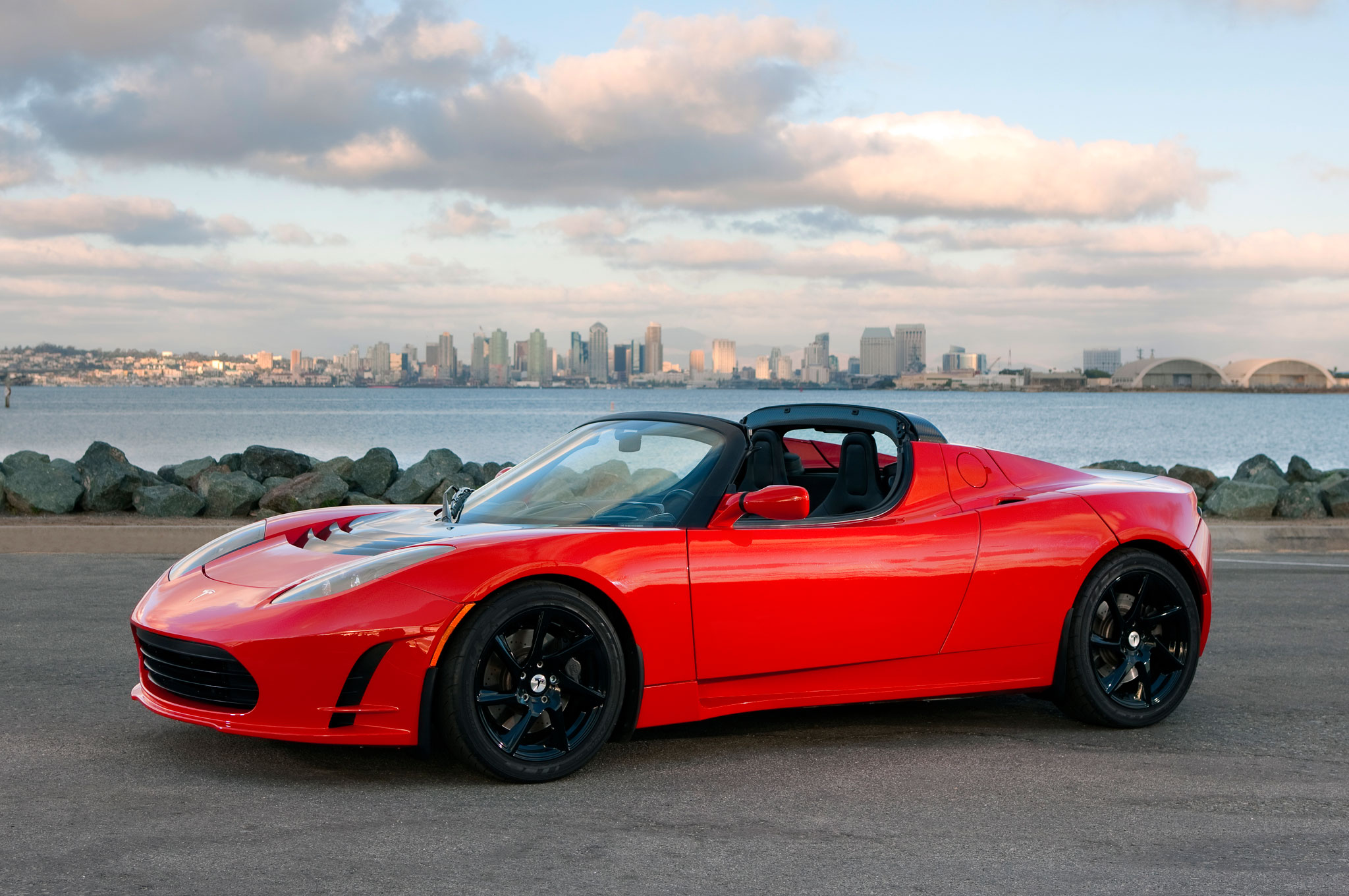 Tesla-Roadster-25-front-three-quarter-31