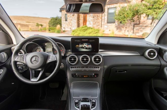 2016 Mercedes Benz GLC 300 4Matic inteiror