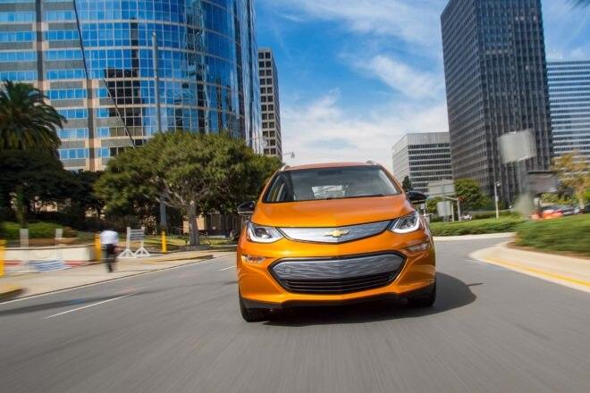 2017 Chevrolet Bolt EV front end in motion 1