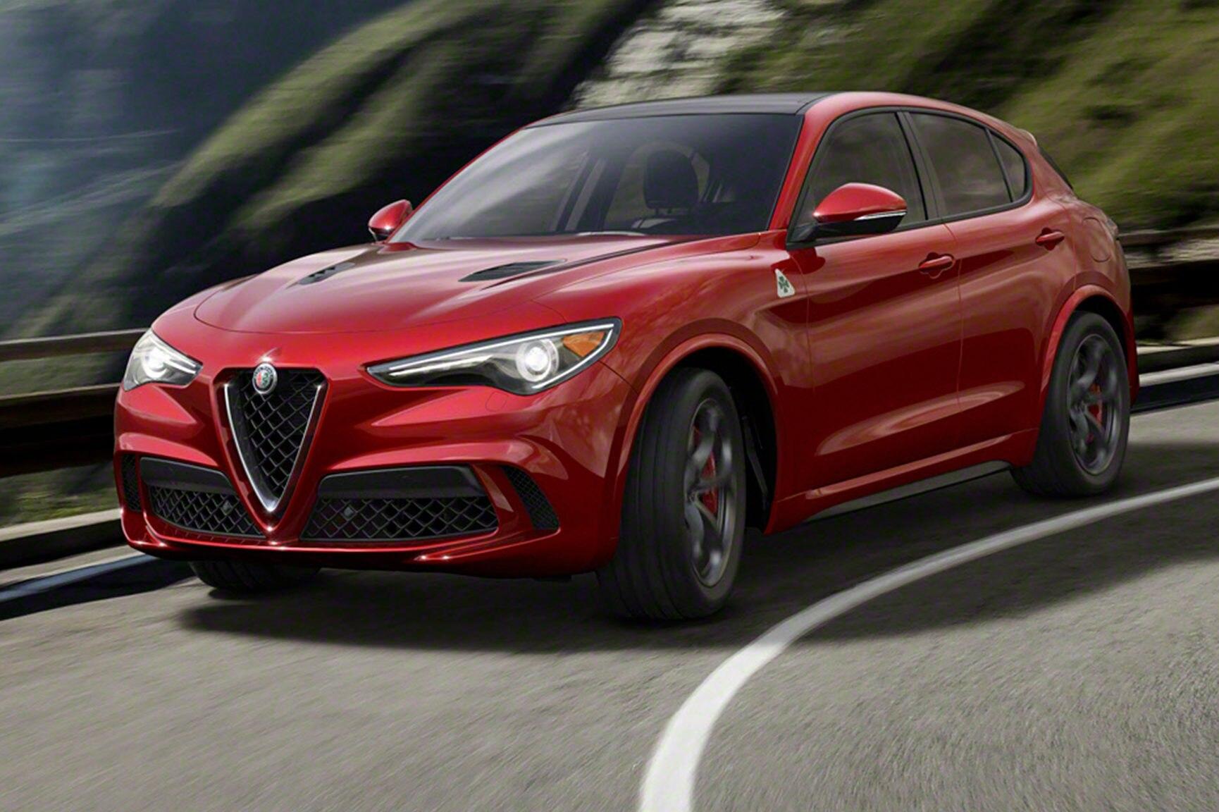 2018 Alfa Romeo Stelvio Front Three Quarter E1479248897472