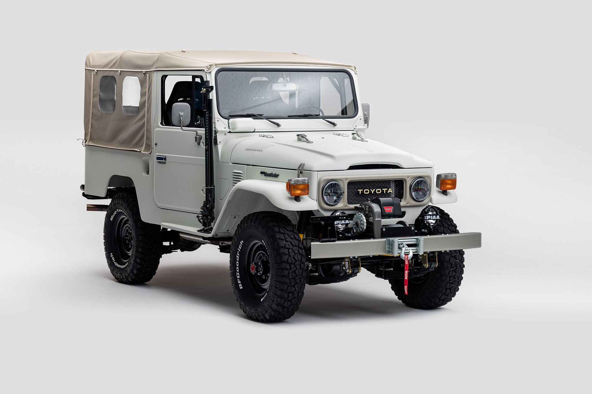 The FJ Company Land Cruiser FJ43 The Aspen Project Front Three Quarter 01 1