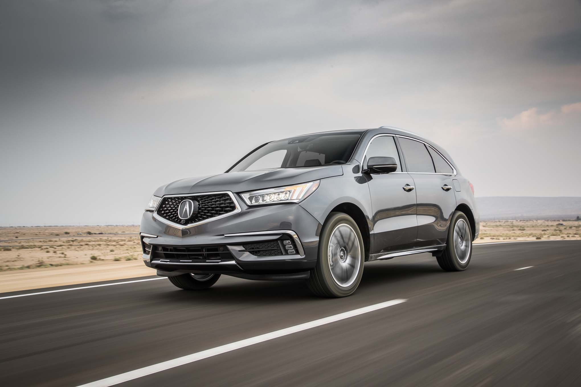 2017 Acura MDX SH AWD front three quarter in motion 04