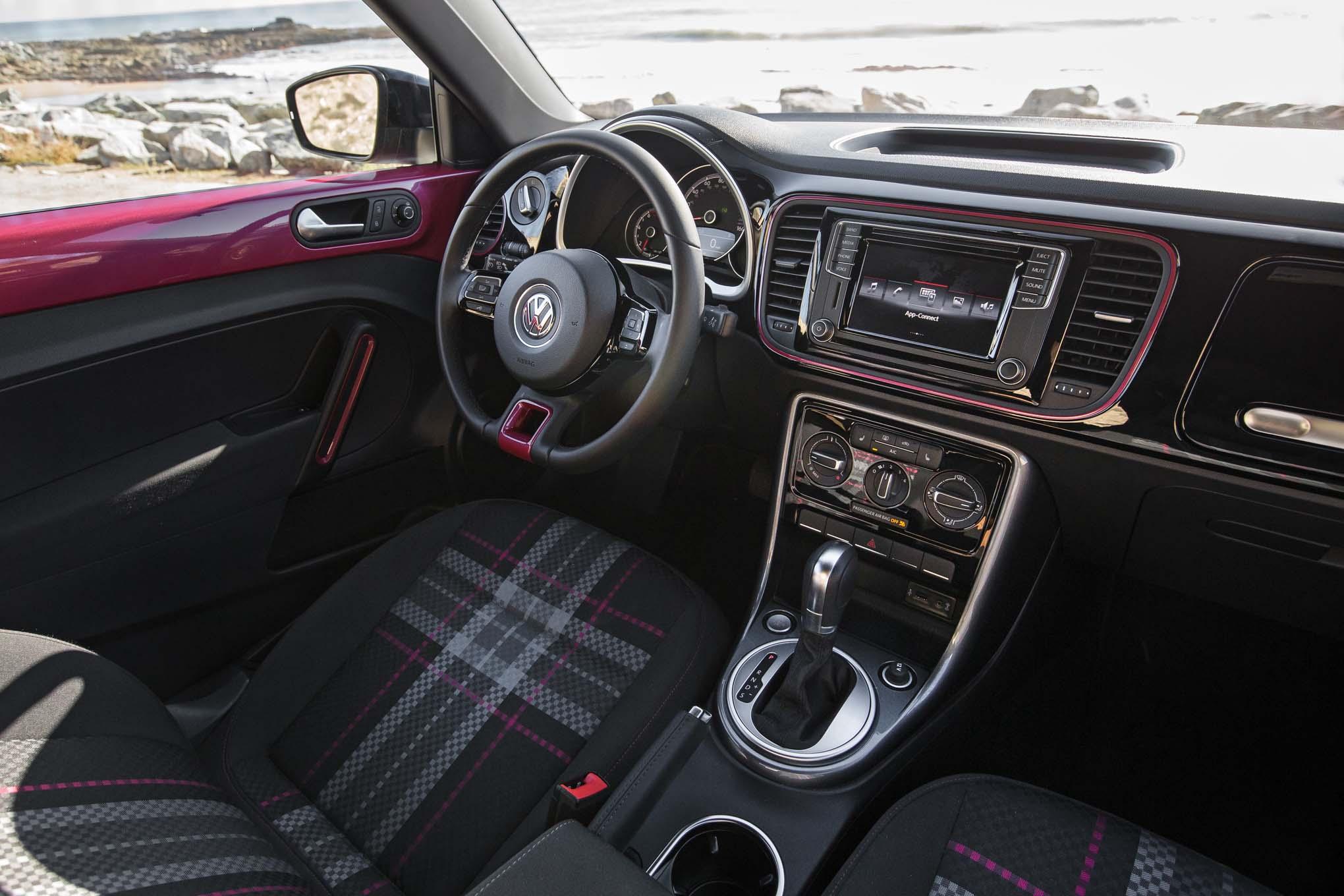 2017 Volkswagen PinkBeetle interior