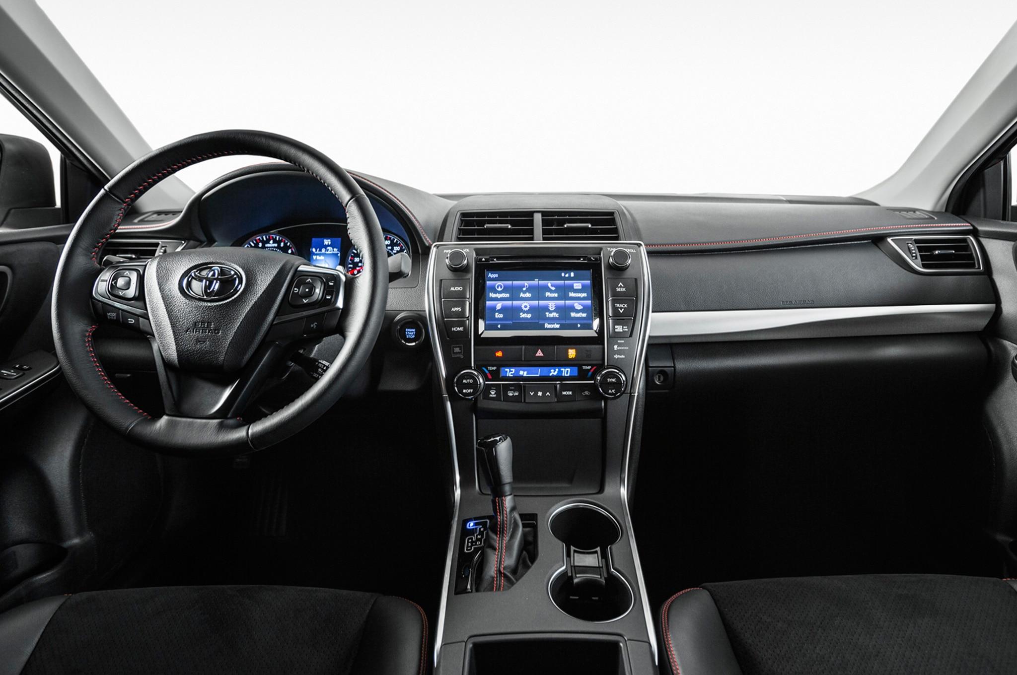 2017 Toyota Camry Xse Interior 3 Enero
