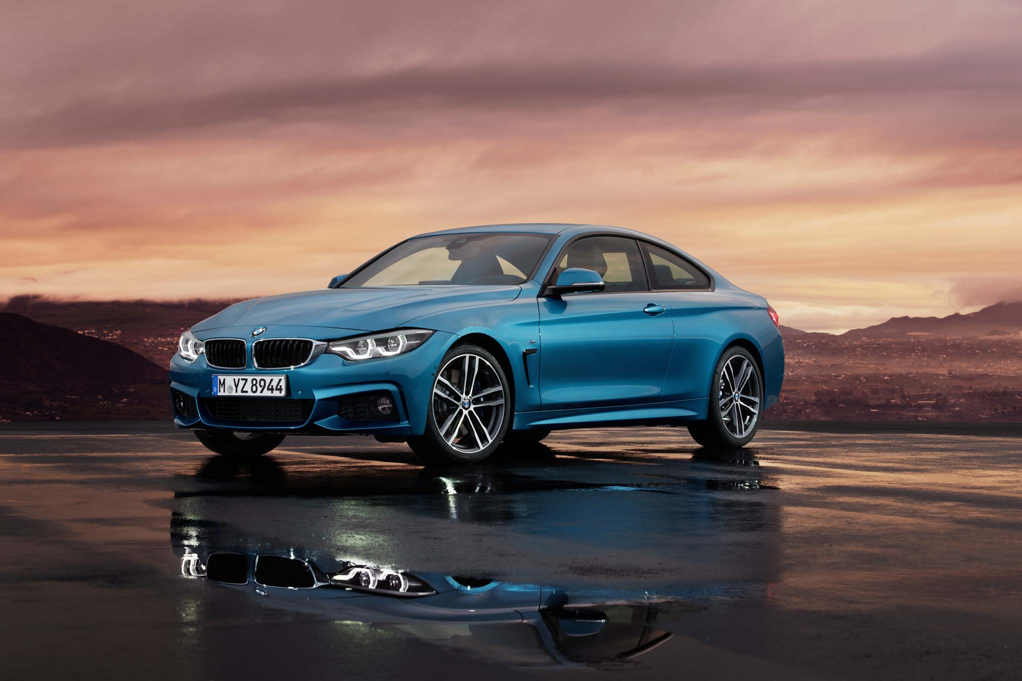2017 Bmw 440i M Sport Coupe Front Three Quarters 03