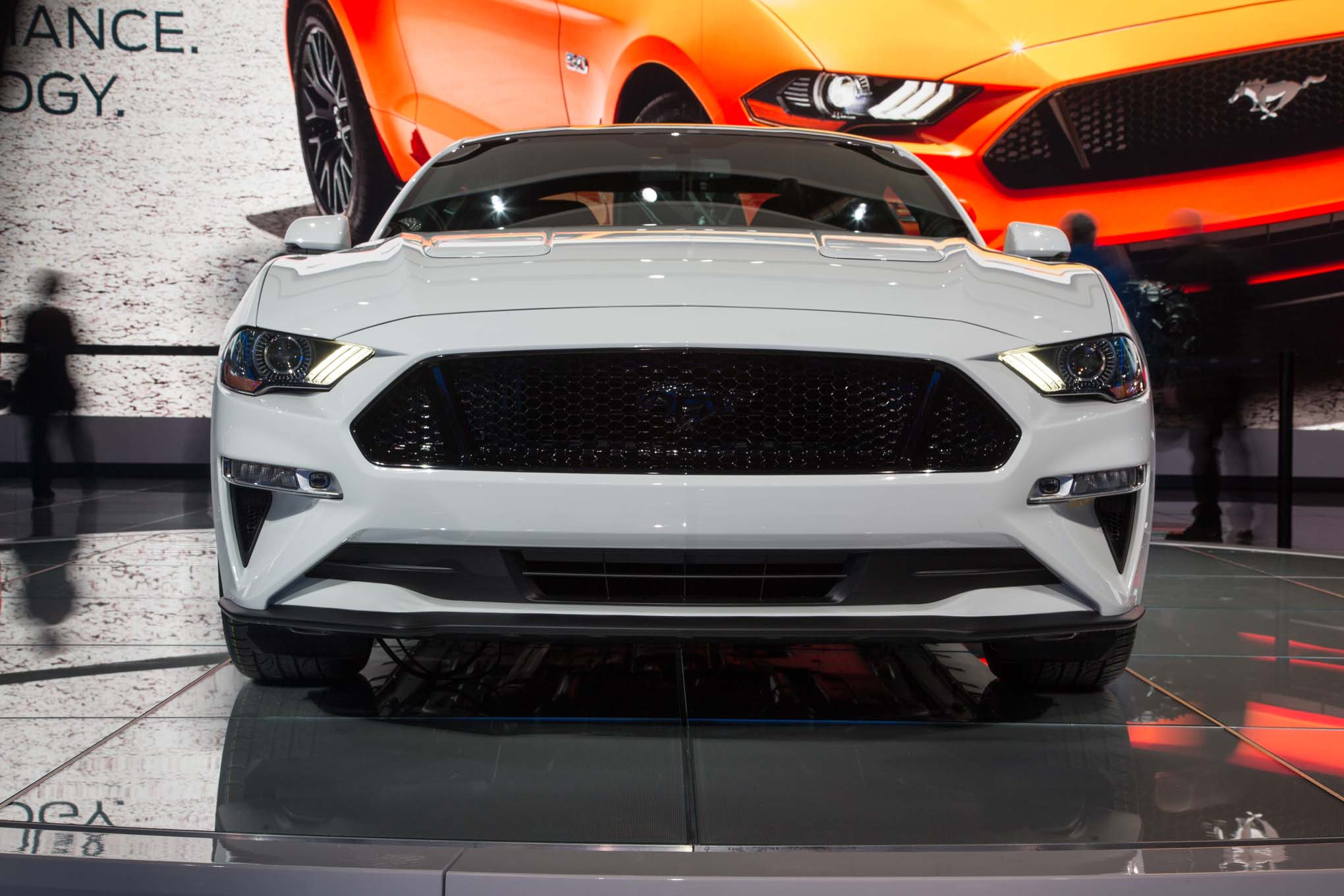 2018 Ford Mustang Gt Front End 02