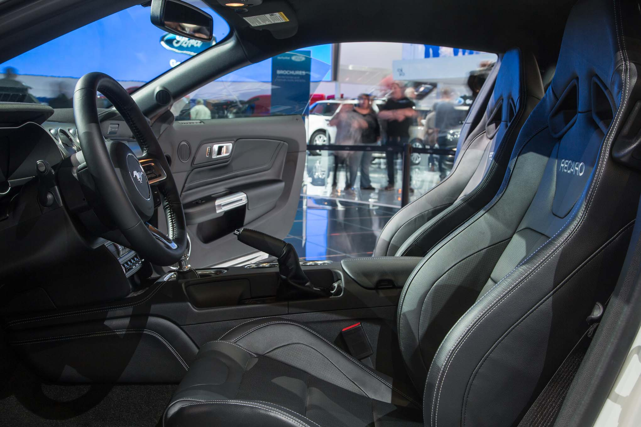 2018 ford mustang gt interior seats 02 1