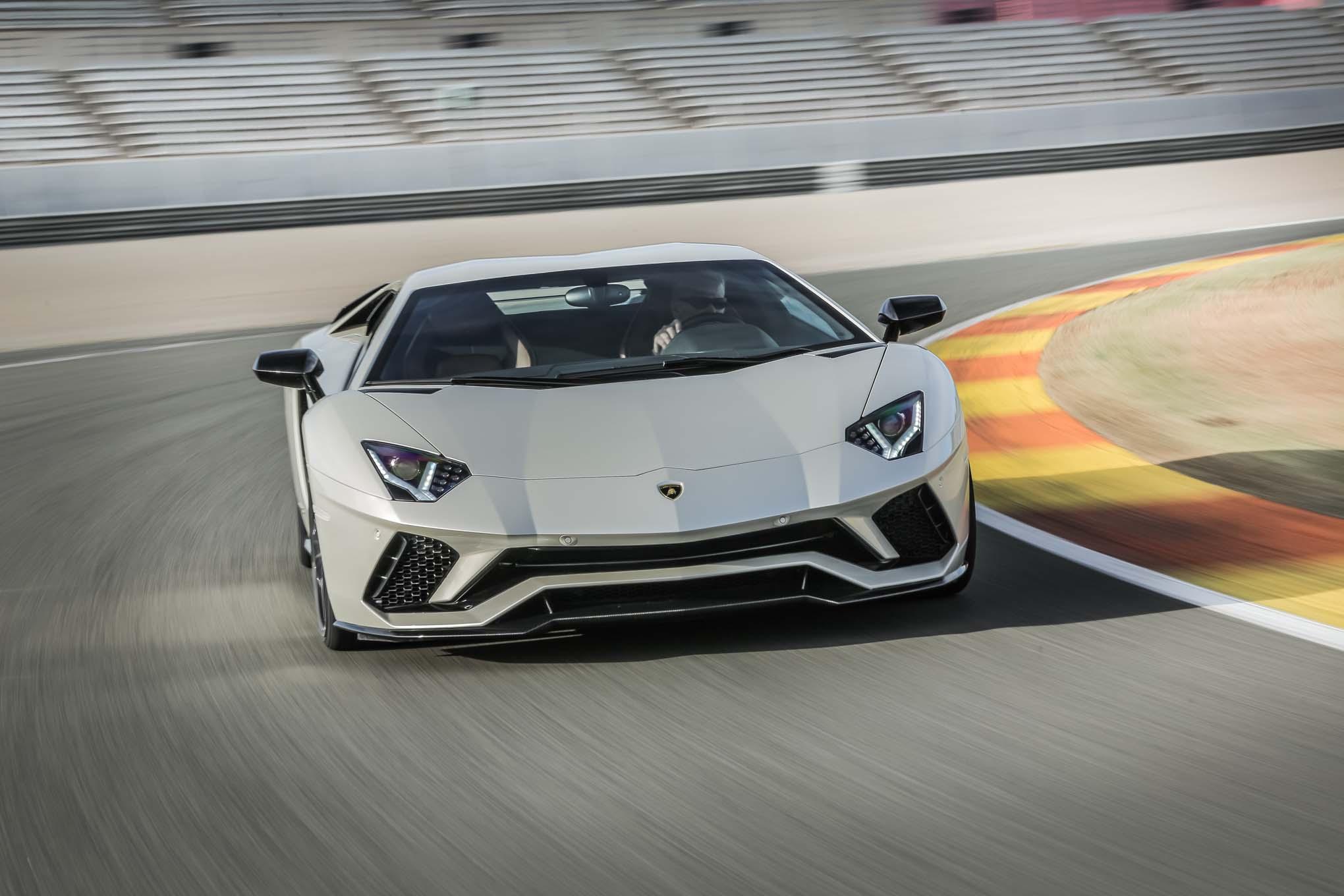 2018 Lamborghini Aventador S Front End In Motion 08 Motor Trend En
