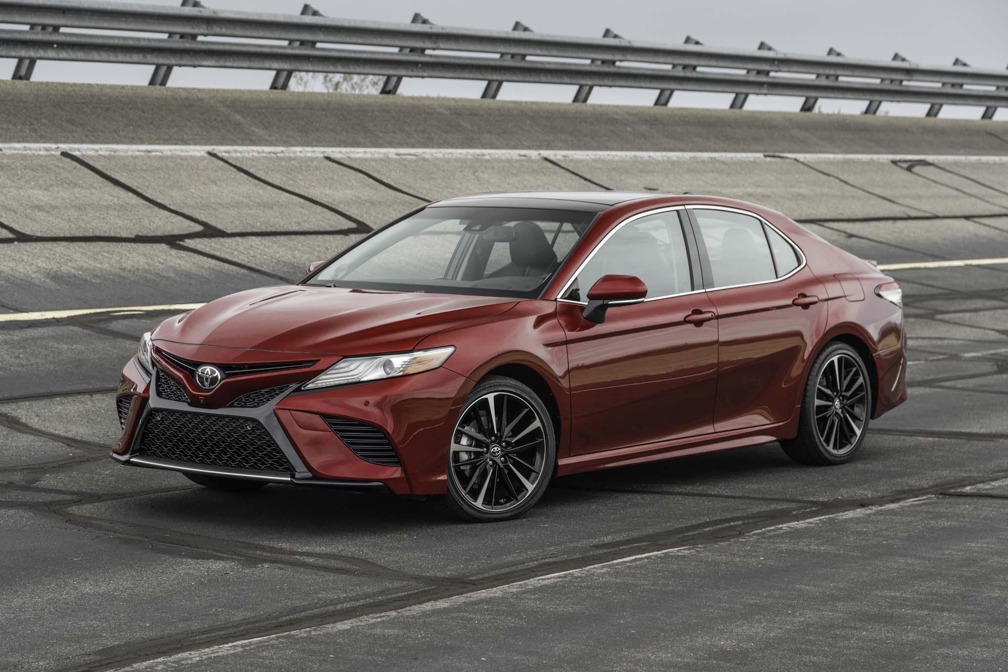2018 Toyota Camry XSE V 6 Front Three Quarter