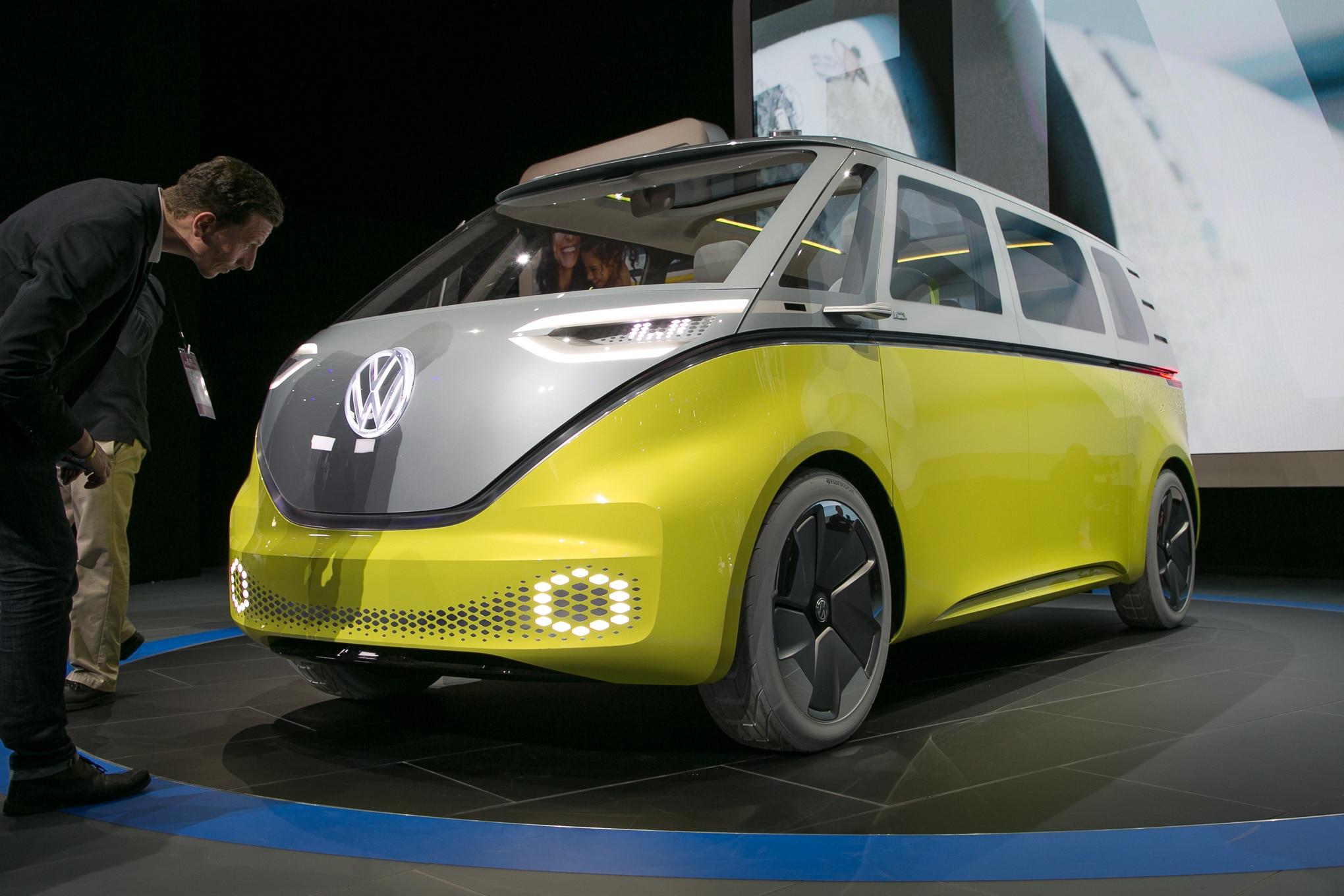 Volkswagen ID BUZZ Concept Front Three Quarter 1