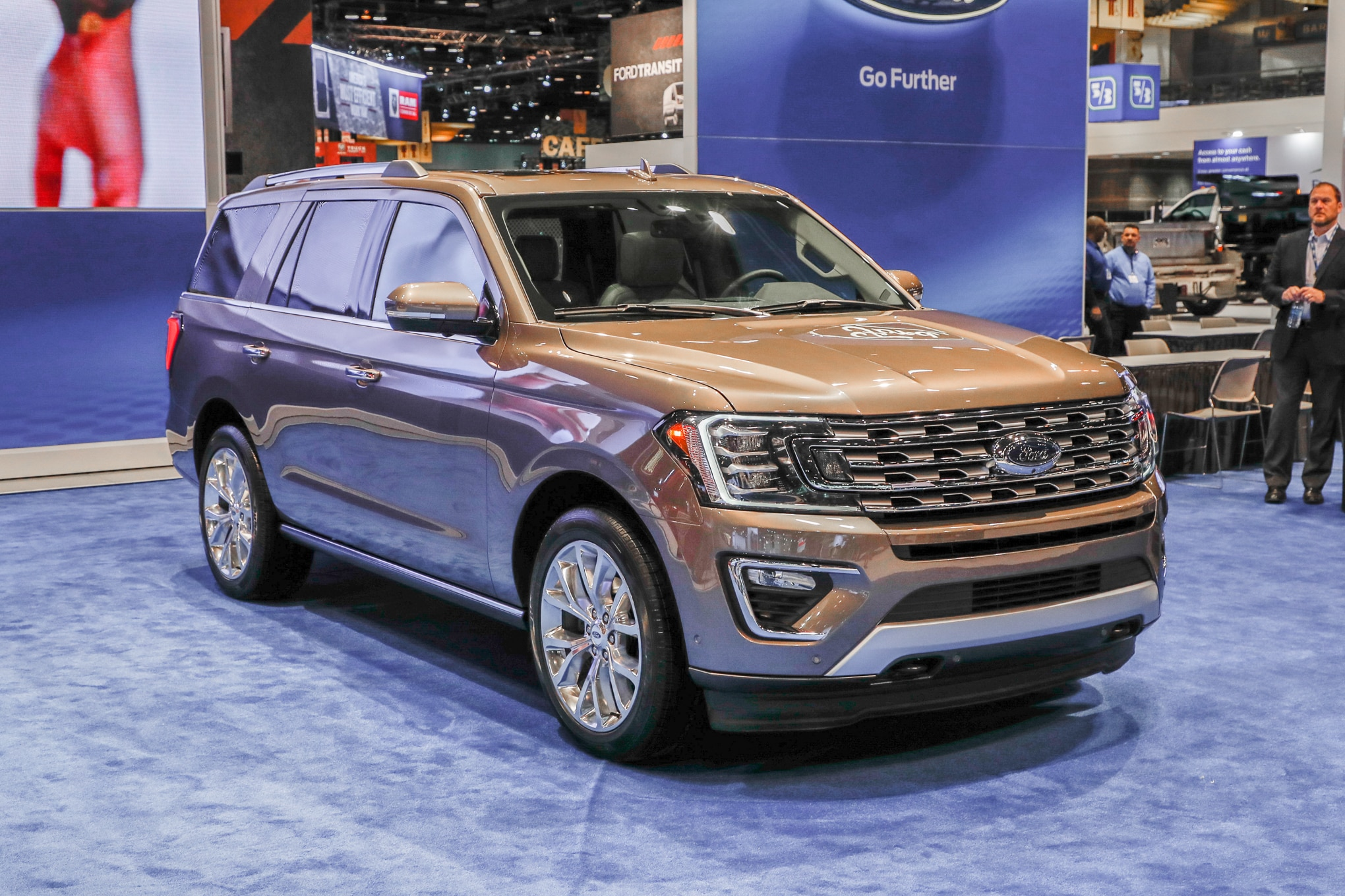 2018 Ford Expedition Limited front three quarter - Motor ...